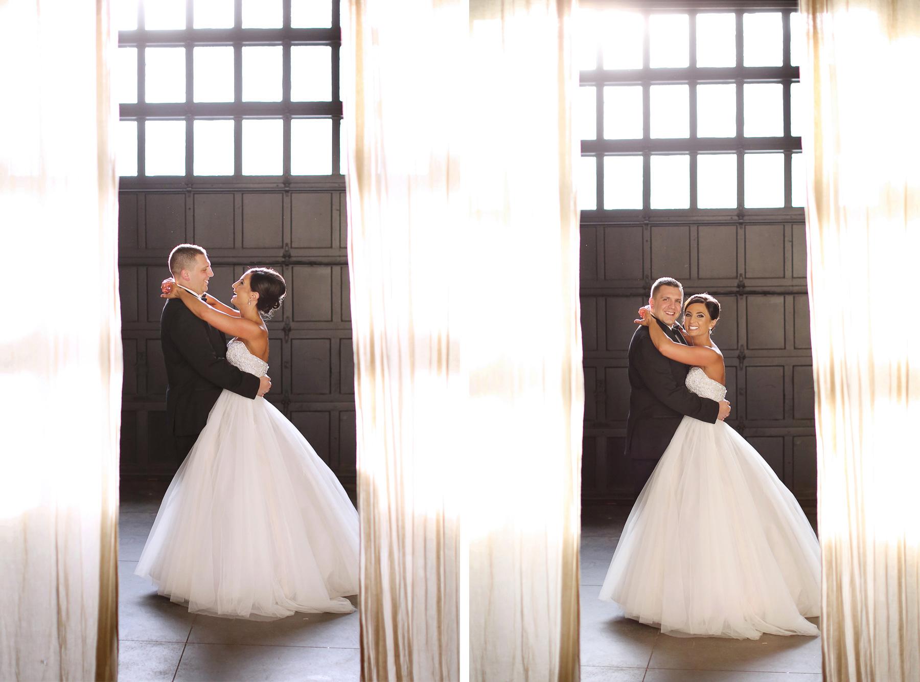 04-Minneapolis-Minnesota-Wedding-Photography-Aria-Downtown-Industrial-Warehouse-Melanie-and-Andrew.jpg