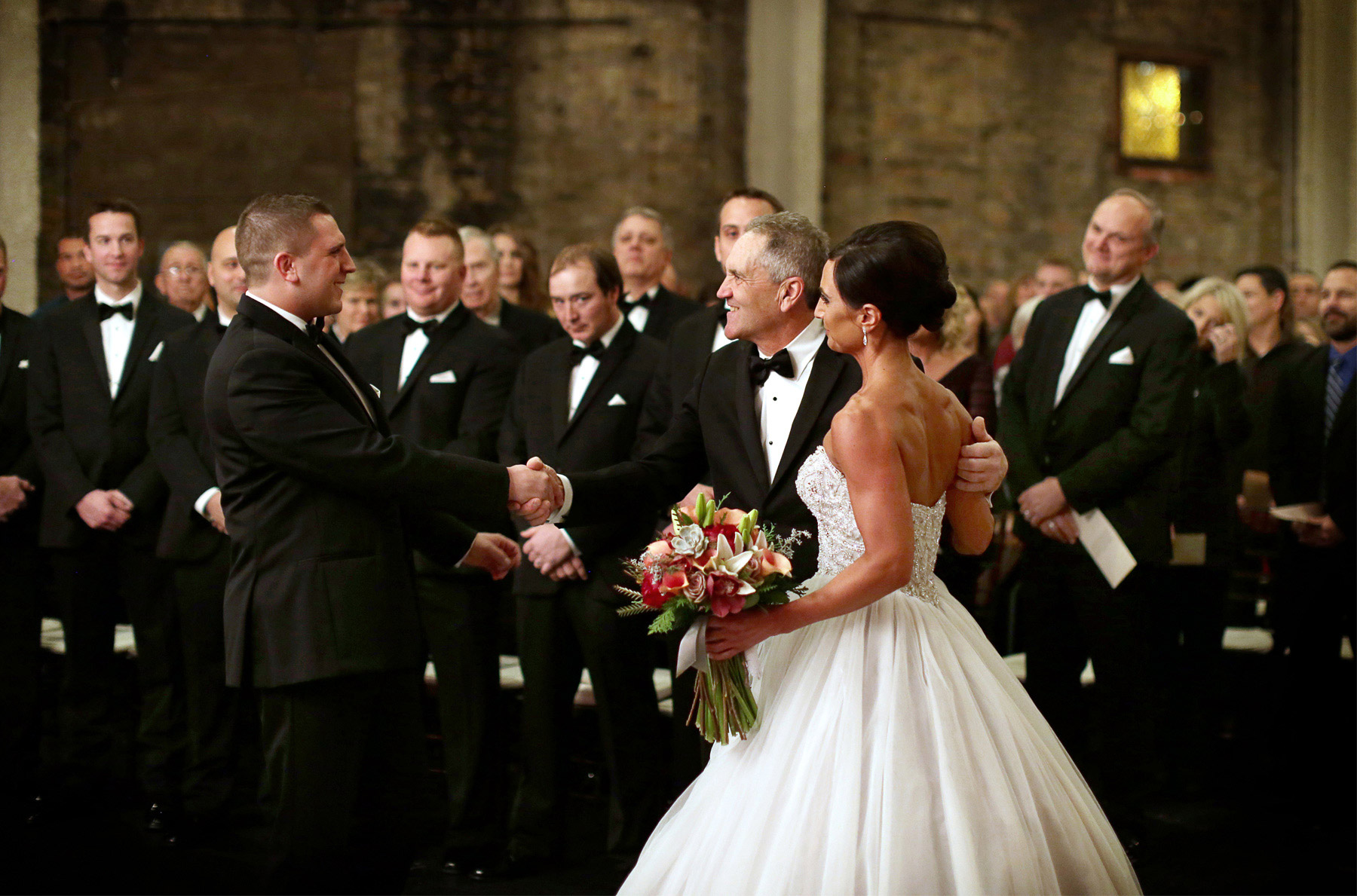 12-Minneapolis-Minnesota-Wedding-Photography-Aria-Downtown-Industrial-Ceremony-Melanie-and-Andrew.jpg