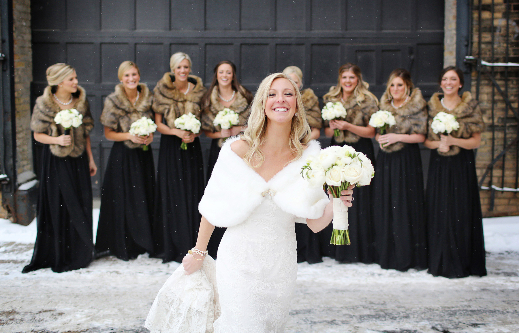 08-Minneapolis-Minnesota-Wedding-Photography-by-Vick-Photography-Downtown-Bridesmaids-Winter-Shawl-Caroline-and-J.jpg