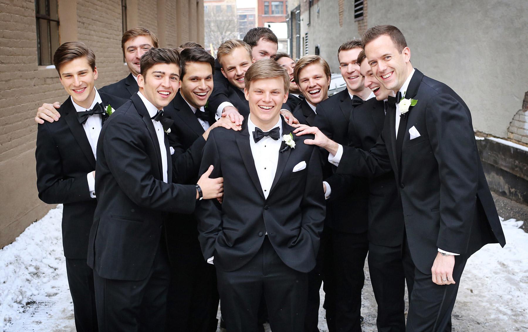 09-Minneapolis-Minnesota-Wedding-Photography-by-Vick-Photography-Downtown-Groomsmen-Winter-Caroline-and-J.jpg