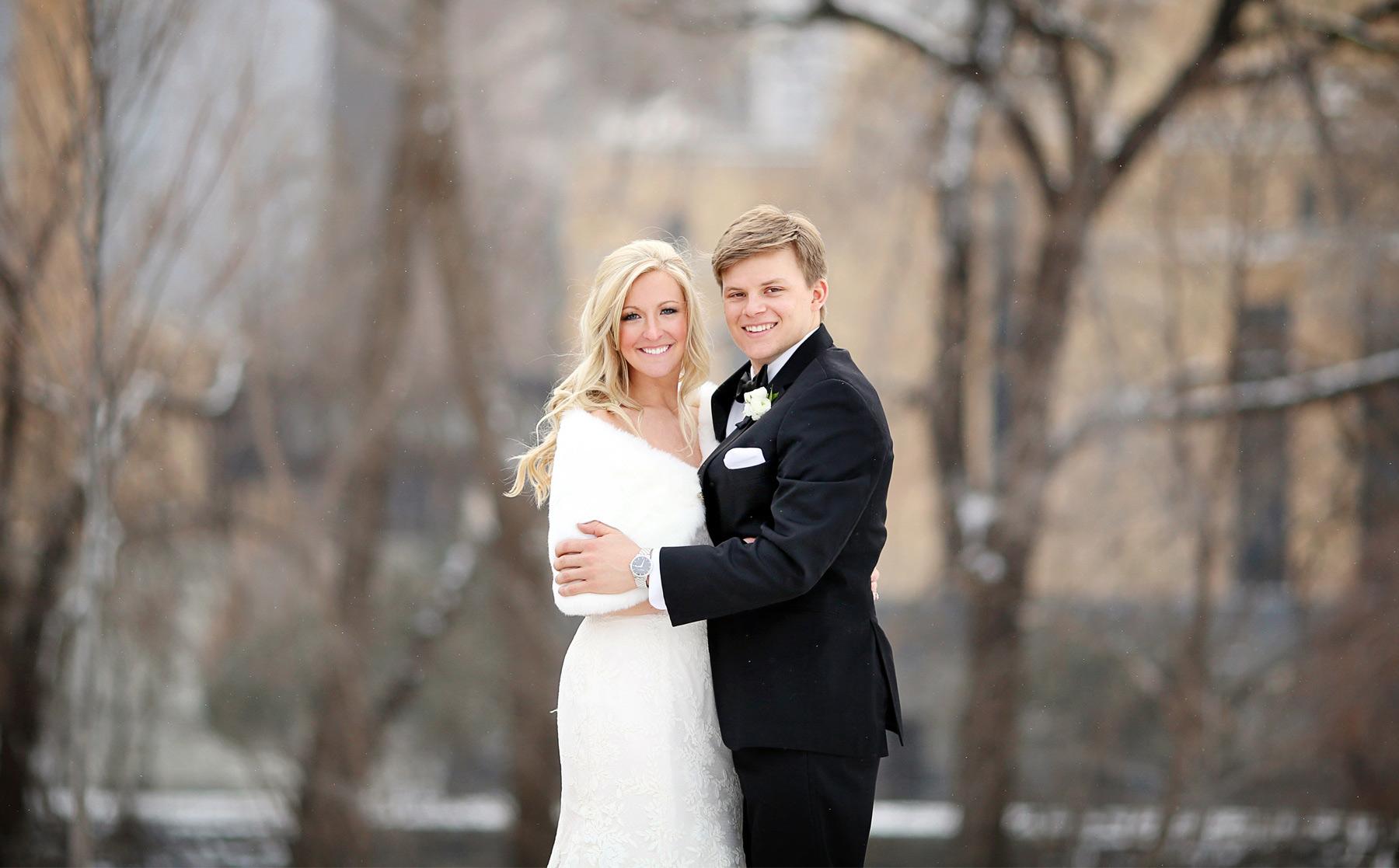 10-Minneapolis-Minnesota-Wedding-Photography-by-Vick-Photography-Downtown-Winter-Caroline-and-J.jpg