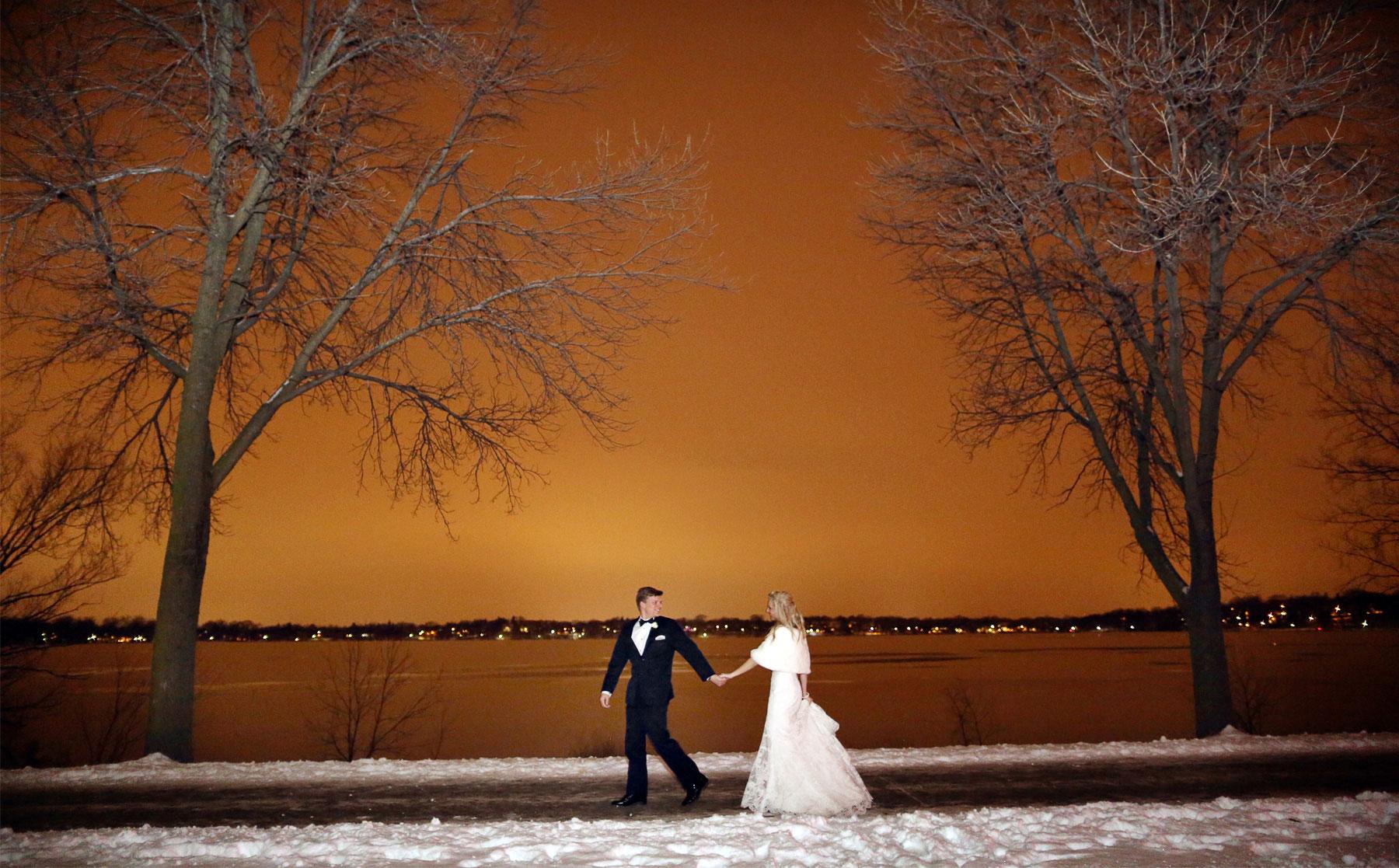 15-Minneapolis-Minnesota-Wedding-Photography-by-Vick-Photography-Winter-Outdoor-Caroline-and-J.jpg
