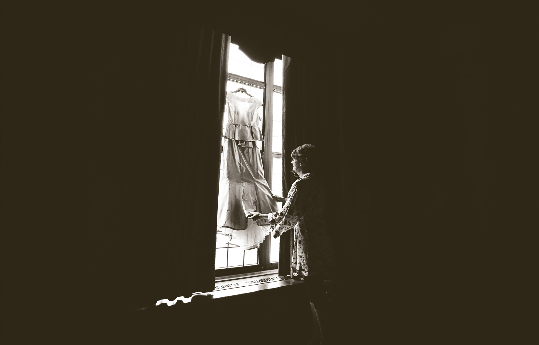 01-Minneapolis-Minnesota-Wedding-Photography-by-Vick-Photography-Downtown-The-Minneapolis-Club-Mansion-Bride-Dress-Tonia-and-Paul.jpg
