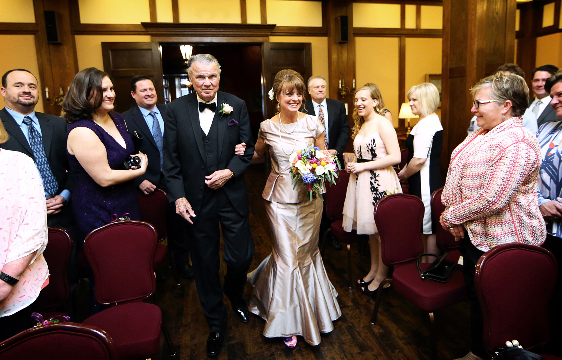 06-Minneapolis-Minnesota-Wedding-Photography-by-Vick-Photography-Downtown-The-Minneapolis-Club-Mansion-Ceremony-Tonia-and-Paul.jpg