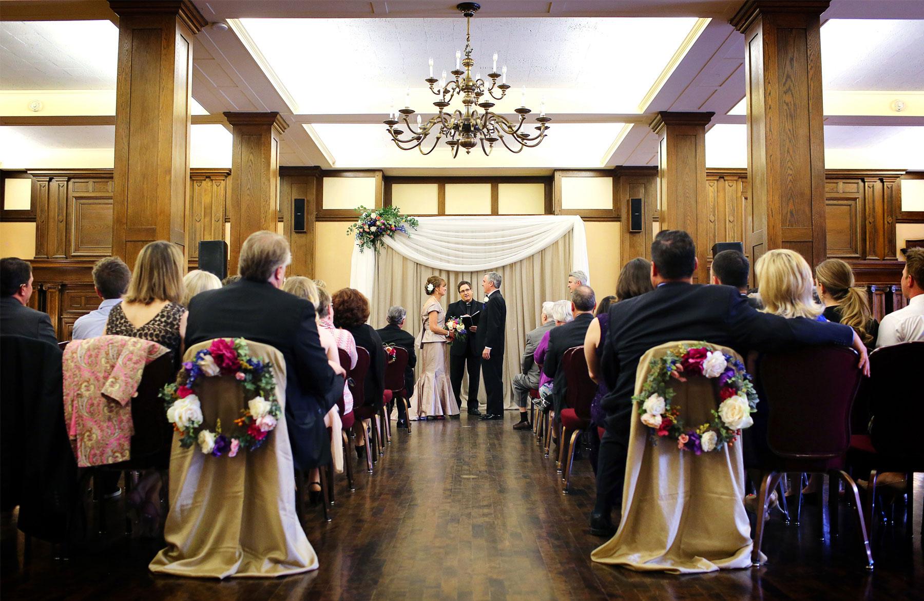 08-Minneapolis-Minnesota-Wedding-Photography-by-Vick-Photography-Downtown-The-Minneapolis-Club-Mansion-Ceremony-Tonia-and-Paul.jpg