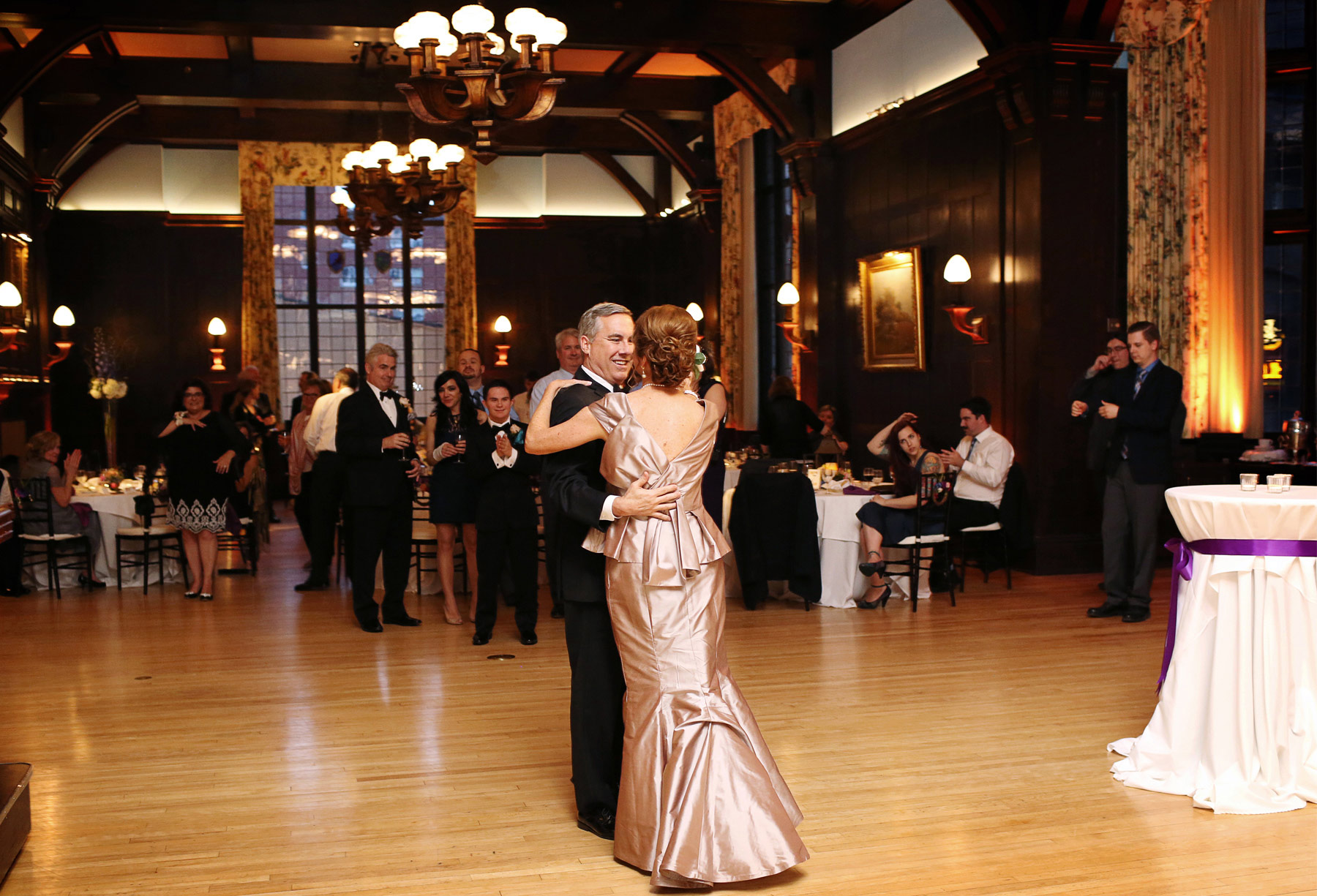 13-Minneapolis-Minnesota-Wedding-Photography-by-Vick-Photography-Downtown-The-Minneapolis-Club-Mansion-Reception-First-Dance-Tonia-and-Paul.jpg