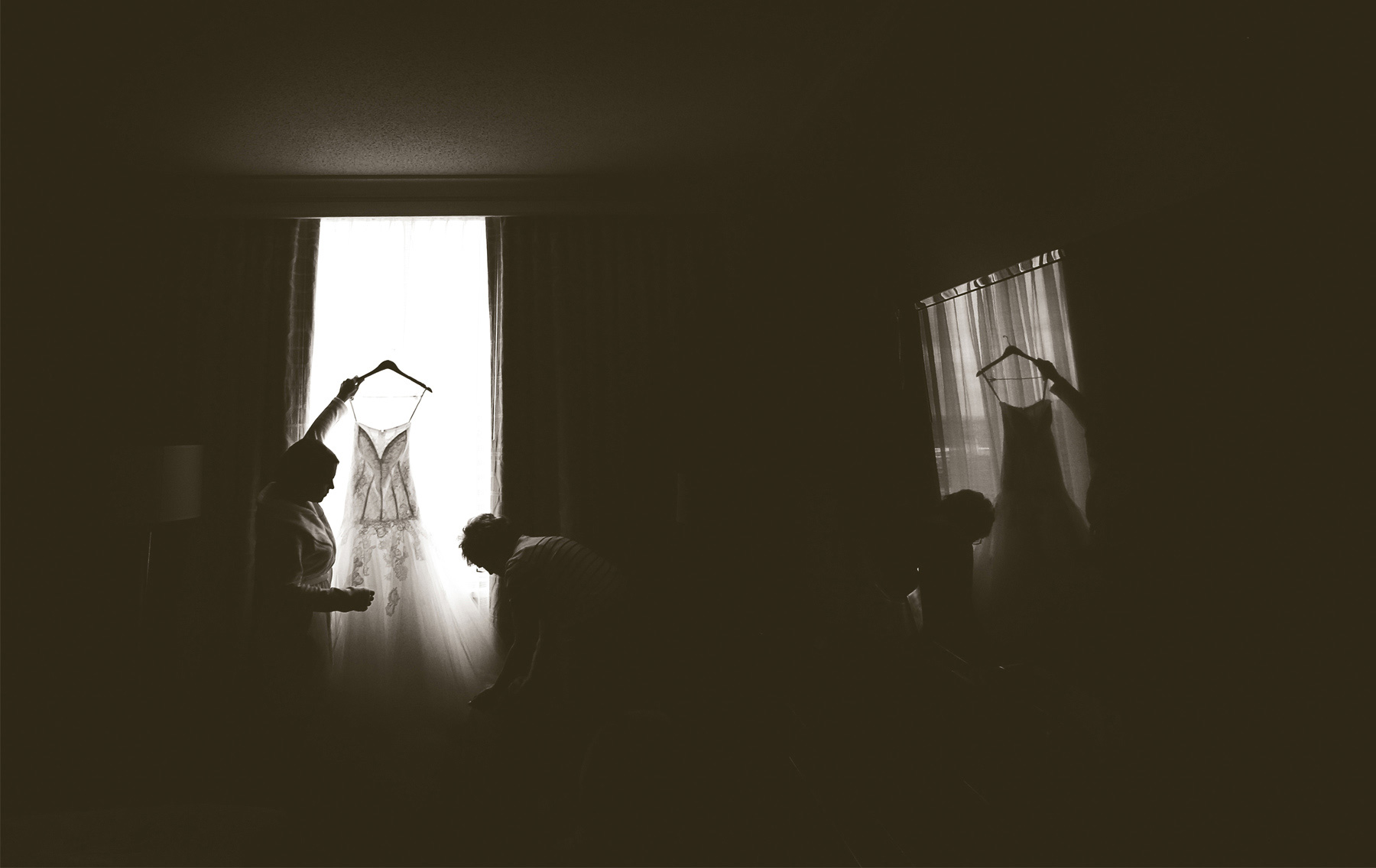 01-Minneapolis-Minnesota-Wedding-Photography-by-Vick-Photography-Downtown-Bride-Dress-Megan-and-Andrew.jpg