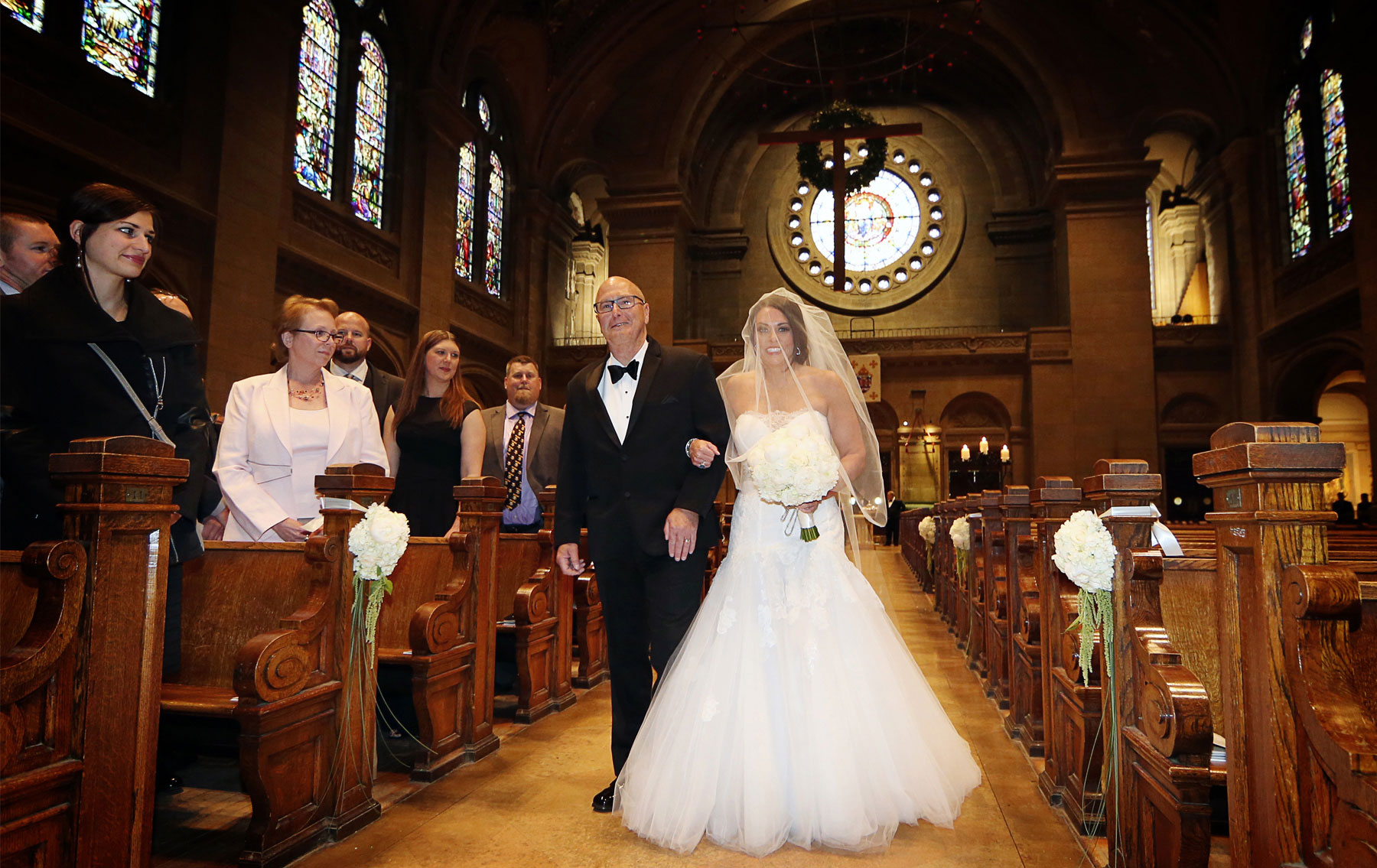 09-Minneapolis-Minnesota-Wedding-Photography-by-Vick-Photography-Downtown-Basilica-of-St-Marys-Church-Ceremony-Megan-and-Andrew.jpg