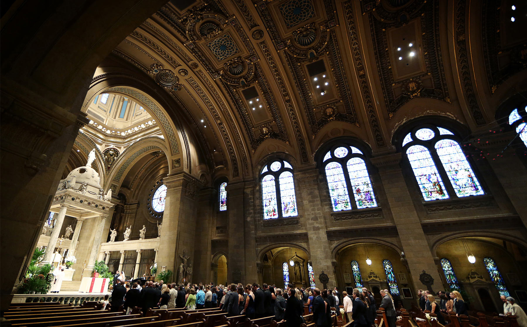 11-Minneapolis-Minnesota-Wedding-Photography-by-Vick-Photography-Downtown-Basilica-of-St-Marys-Church-Ceremony-Megan-and-Andrew.jpg
