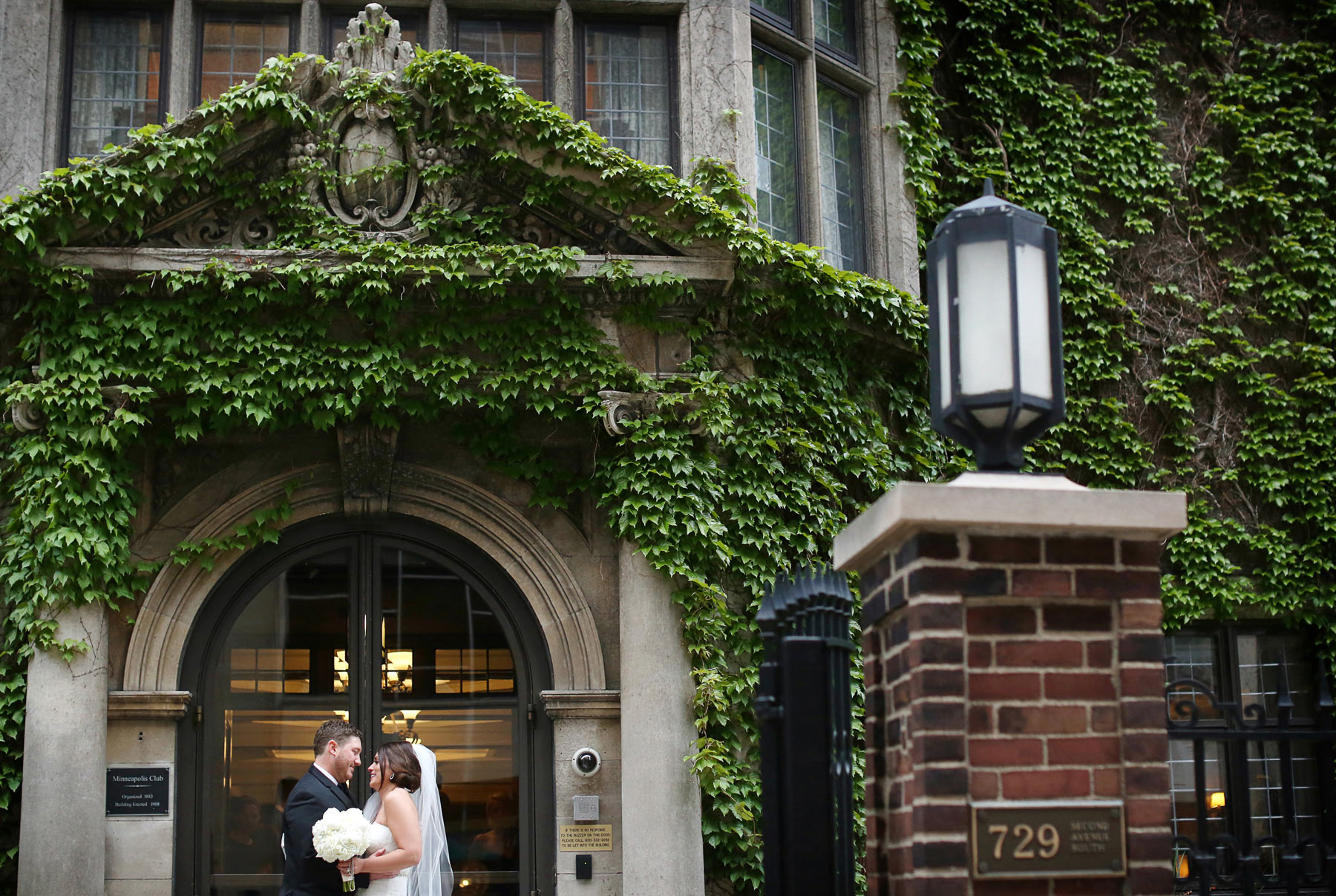 15-Minneapolis-Minnesota-Wedding-Photography-by-Vick-Photography-Downtown-The-Minneapolis-Club-Megan-and-Andrew.jpg