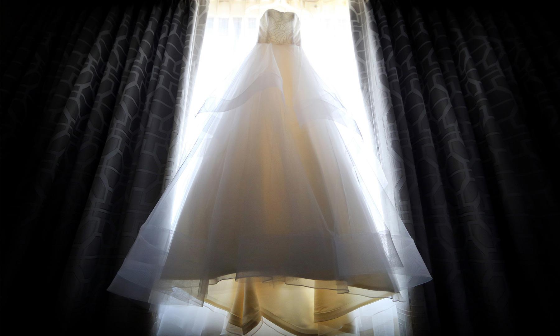01-Minneapolis-Minnesota-Wedding-Photography-by-Vick-Photography-Hilton-Downtown-Dress-Lisa-and-Jared.jpg
