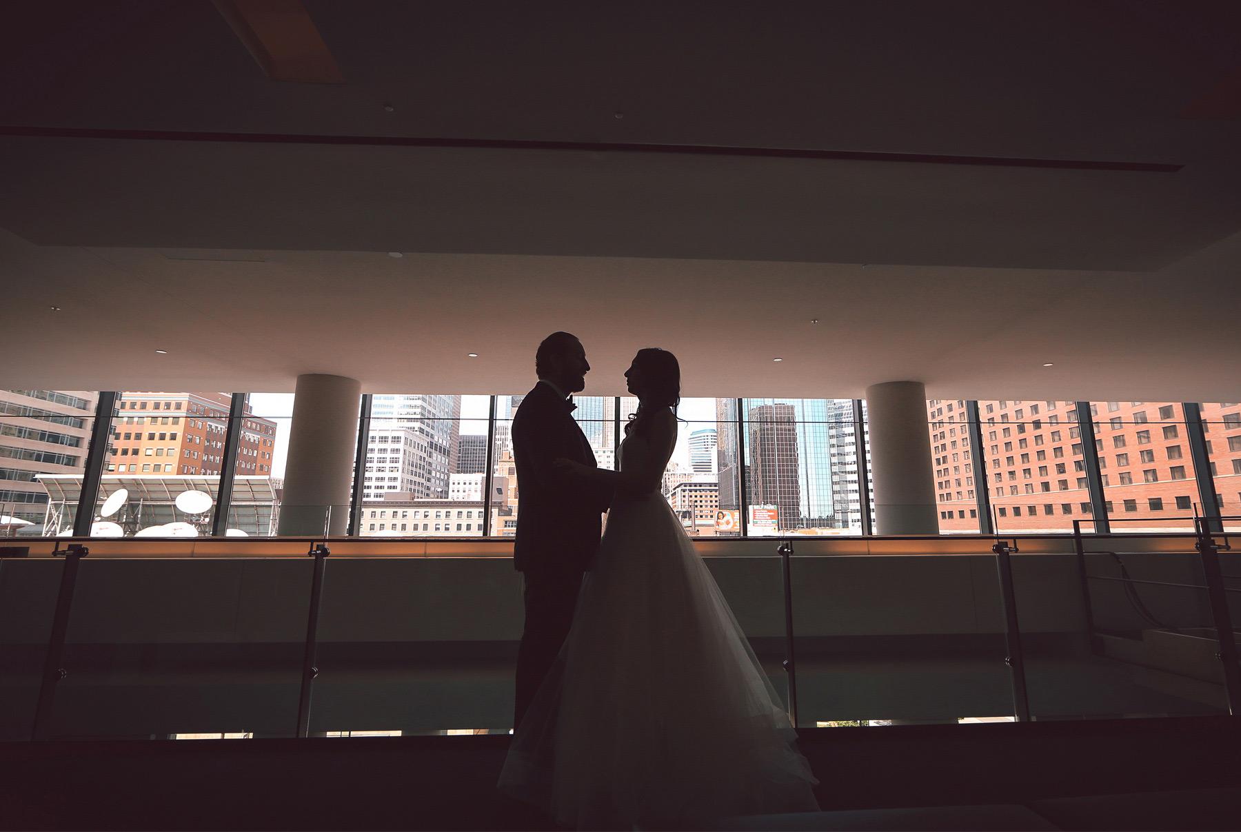 08-Minneapolis-Minnesota-Wedding-Photography-by-Vick-Photography-Hilton-Downtown-Vintage-Lisa-and-Jared.jpg