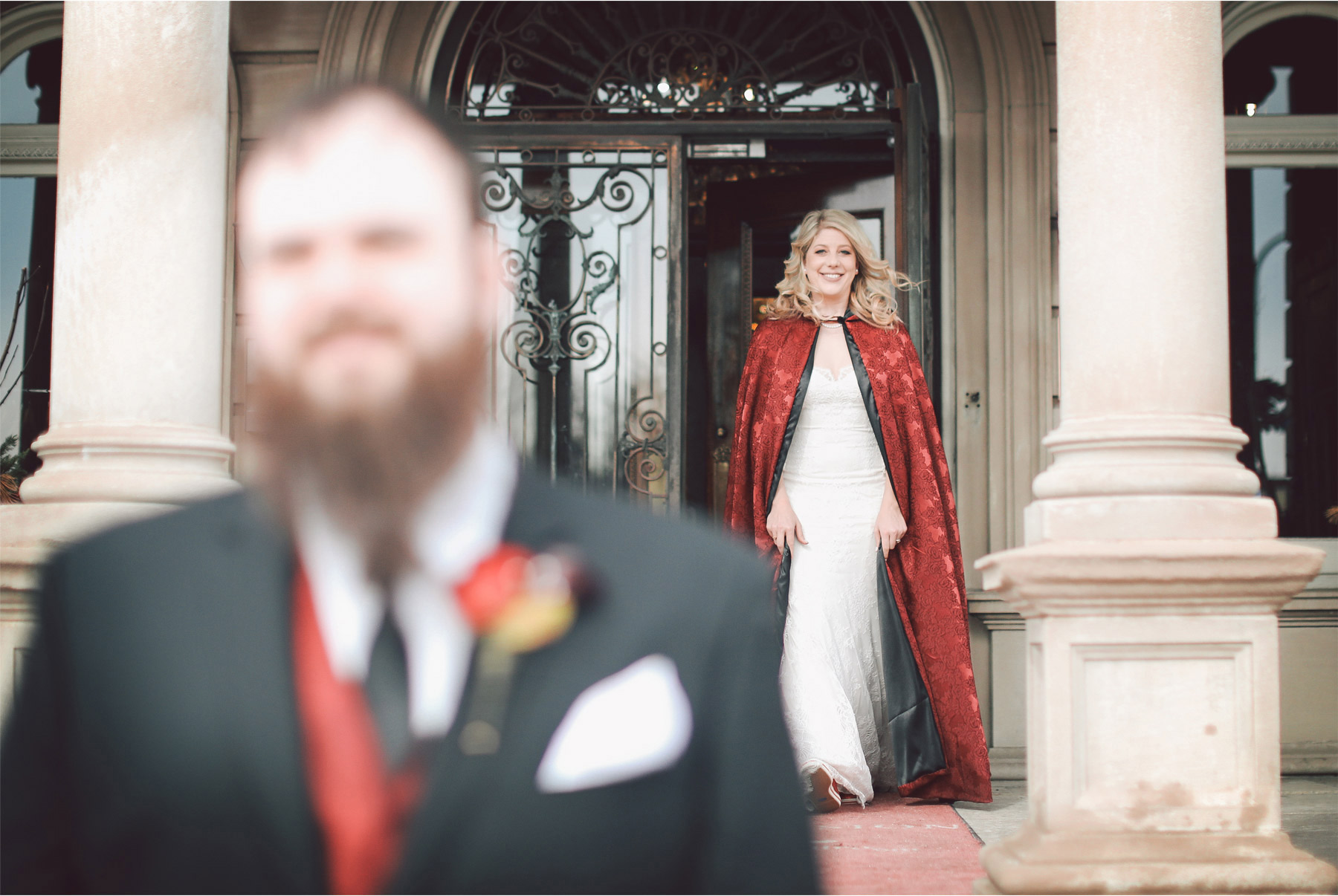 03-Minneapolis-Wedding-Photography-by-Vick-Photography-Bride-Red-Cape-Shayla-and-Kyle.jpg