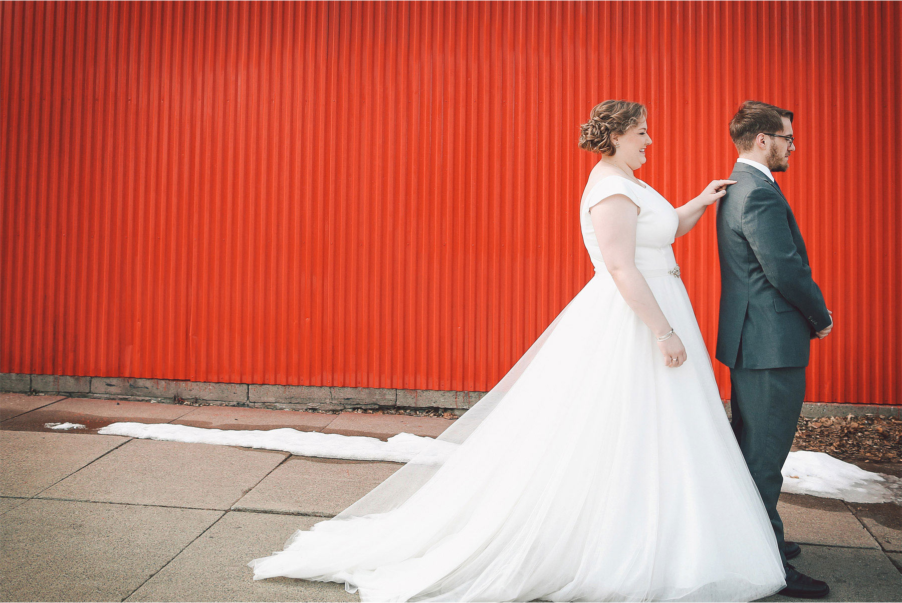 04-Minneapolis-Wedding-Photography-by-Vick-First-Look-Libby-and-Nathan.jpg