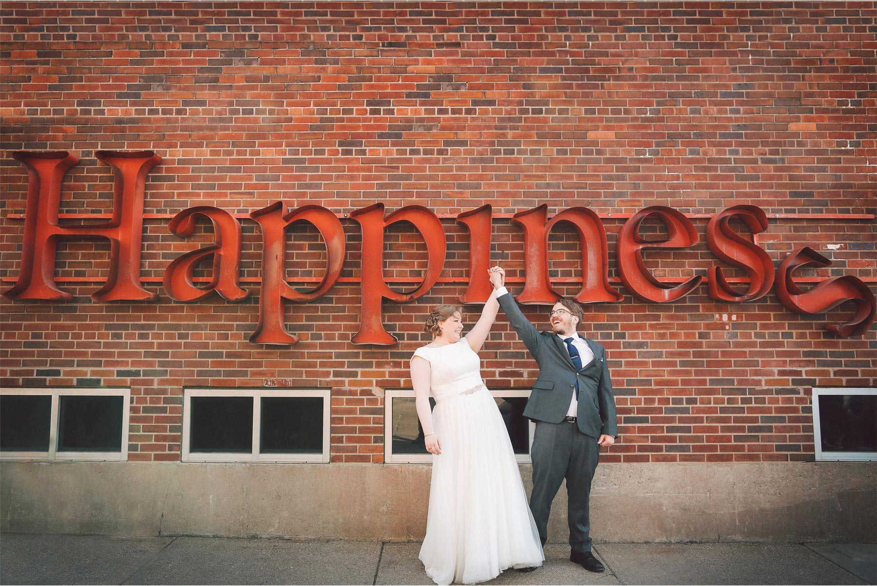 10-Minneapolis-Wedding-Photography-by-Vick-Happiness-Downtown-Libby-and-Nathan.jpg