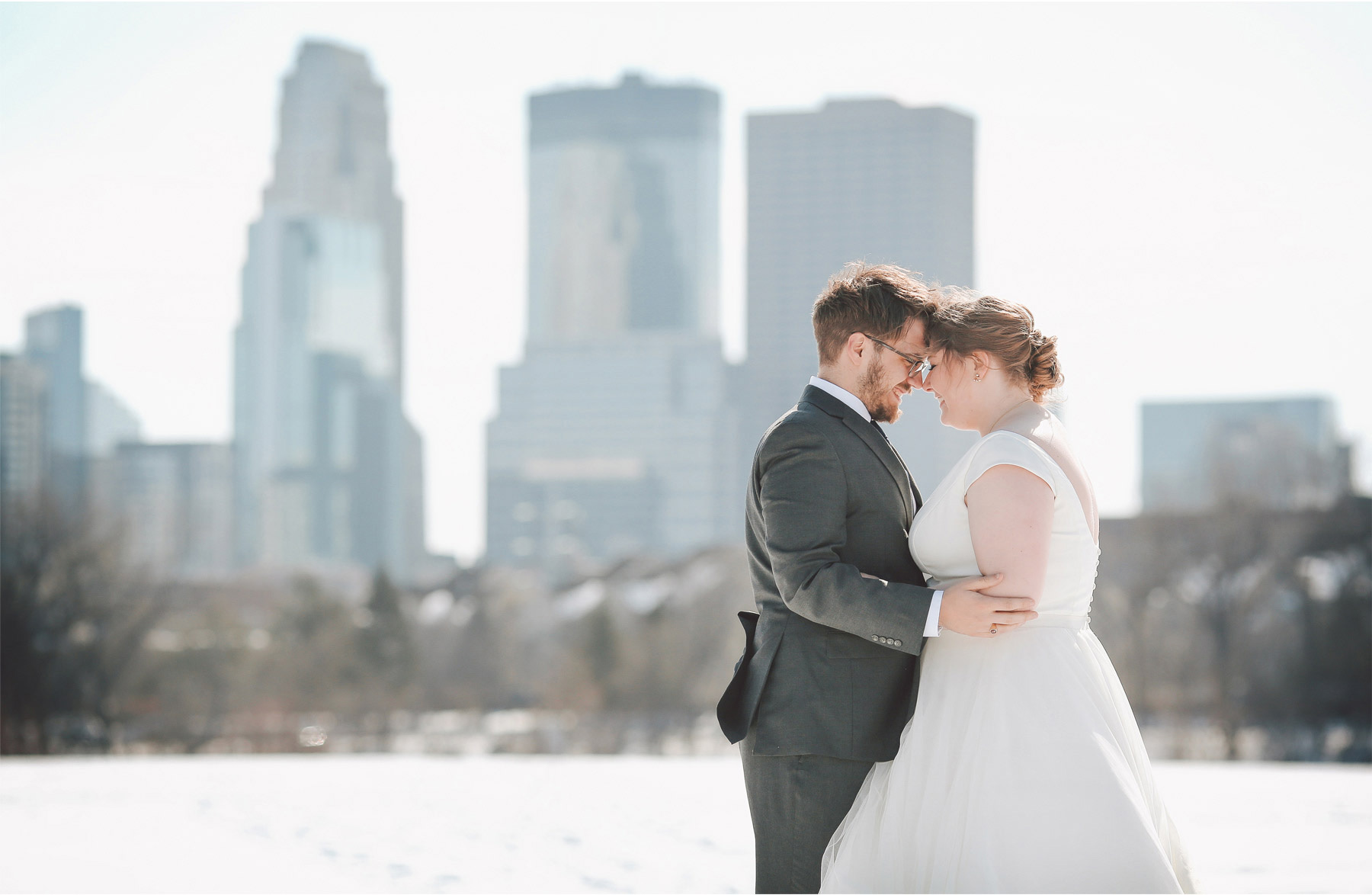 11-Minneapolis-Wedding-Photography-by-Vick-Skyline-Downtown-Winter-Wedding-Libby-and-Nathan.jpg