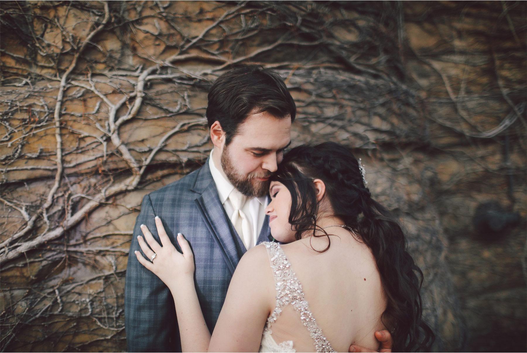 19-Minneapolis-Wedding-Photography-by-Vick-Photography-Historic-Concord-Exchange-Rachael-and-Benjamin.jpg