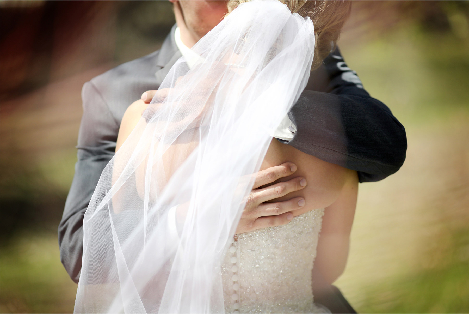 03-Minneapolis-Wedding-Photography-by-Vick-Photography-First-Look-Kasie-and-Joshua.jpg