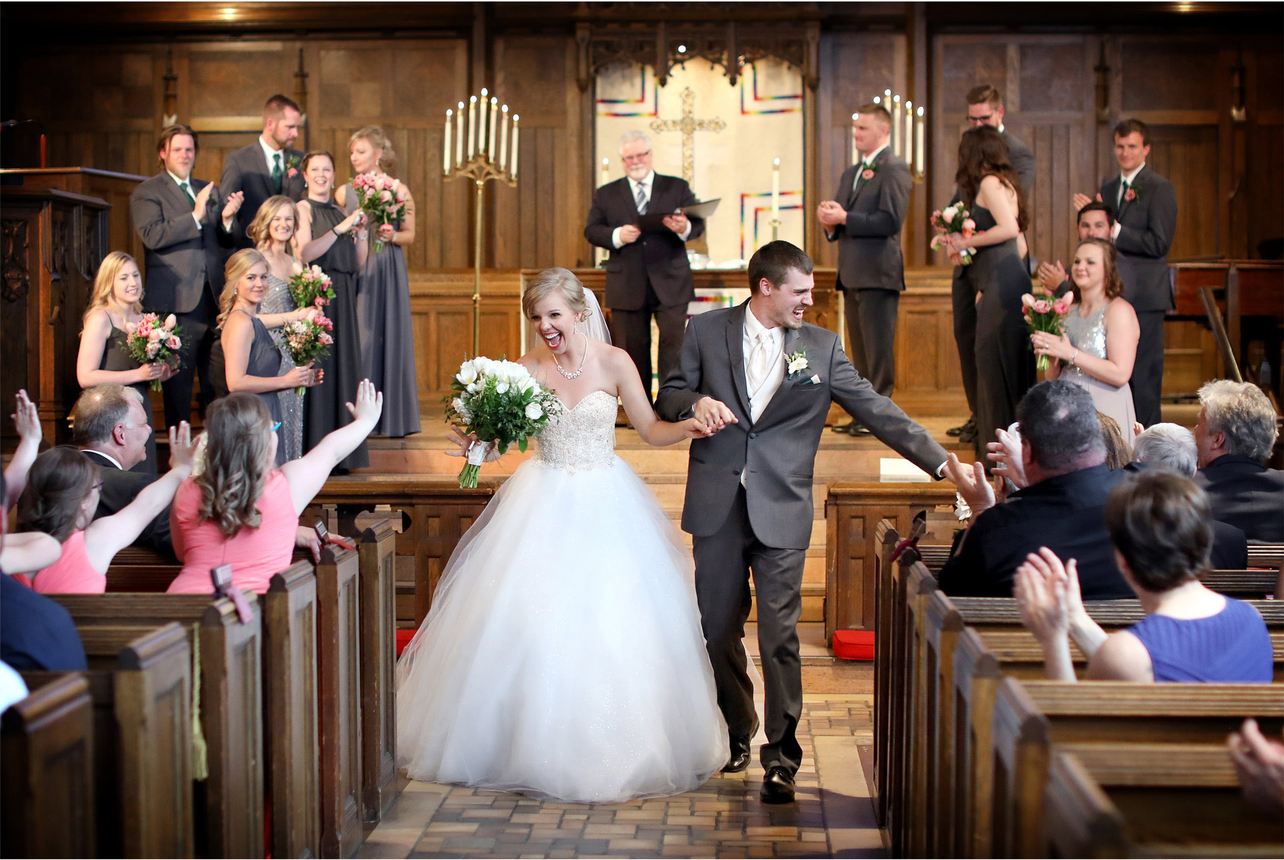 12-Minneapolis-Wedding-Photography-by-Vick-Photography-Hamline-Church-United-Methodist-Ceremony-Kasie-and-Joshua.jpg
