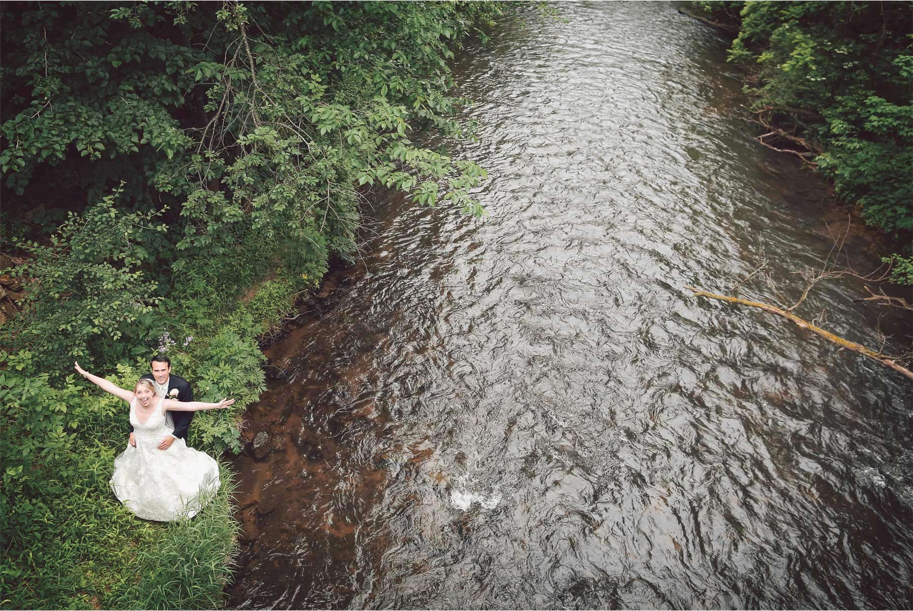 10-River-Falls-Wisconsin-Wedding-Photography-by-Vick-Photography-River-Britty-and-Tyler.jpg