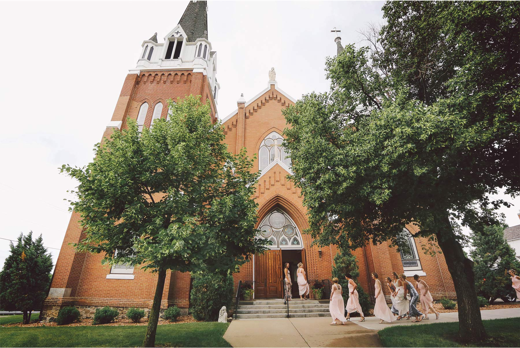 02-Minneapolis-Minnesota-Wedding-Photography-by-Vick-Photography-St.-John-the-Baptist-Church-Bride-Elizabeth-and-William.jpg
