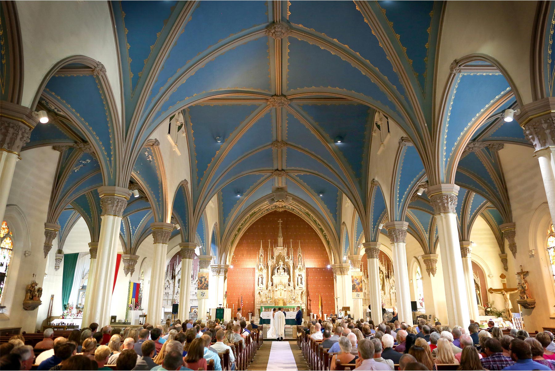 10-Minneapolis-Minnesota-Wedding-Photography-by-Vick-Photography-Holy-Rosary-Church-Ceremony-Brianna-and-Bryce.jpg