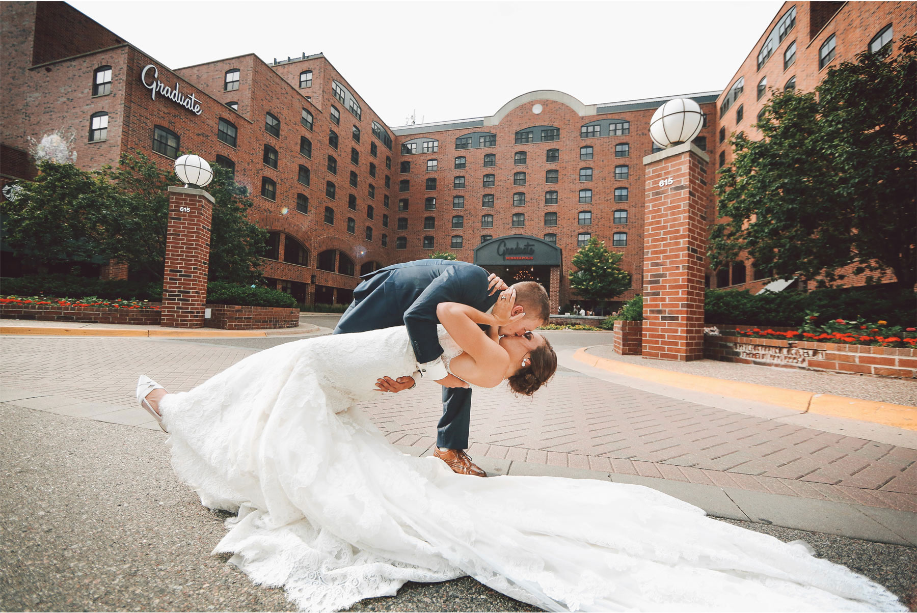 13-Minneapolis-Minnesota-Wedding-Photography-by-Vick-Photography-Graduate-Hotel-Brianna-and-Bryce.jpg