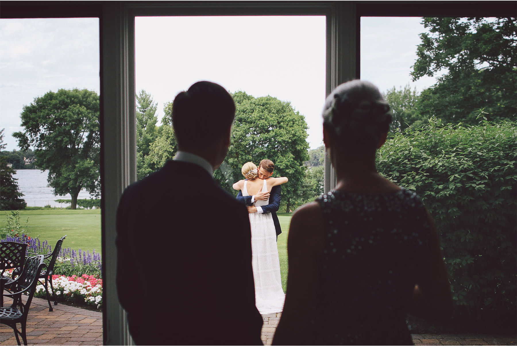 05-Minneapolis-Minnesota-Wedding-Photography-by-Vick-Photography-Lafayette-Club-First-Look-Maggie-and-Nicholas.jpg