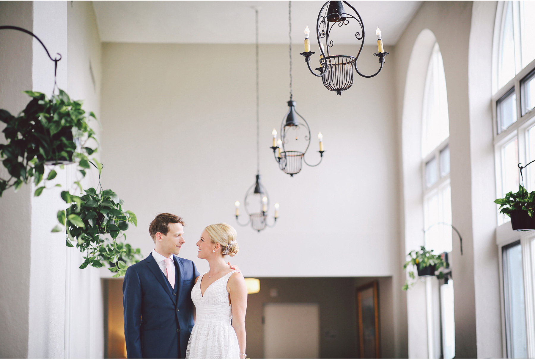 06-Minneapolis-Minnesota-Wedding-Photography-by-Vick-Photography-Lafayette-Club-First-Look-Maggie-and-Nicholas.jpg