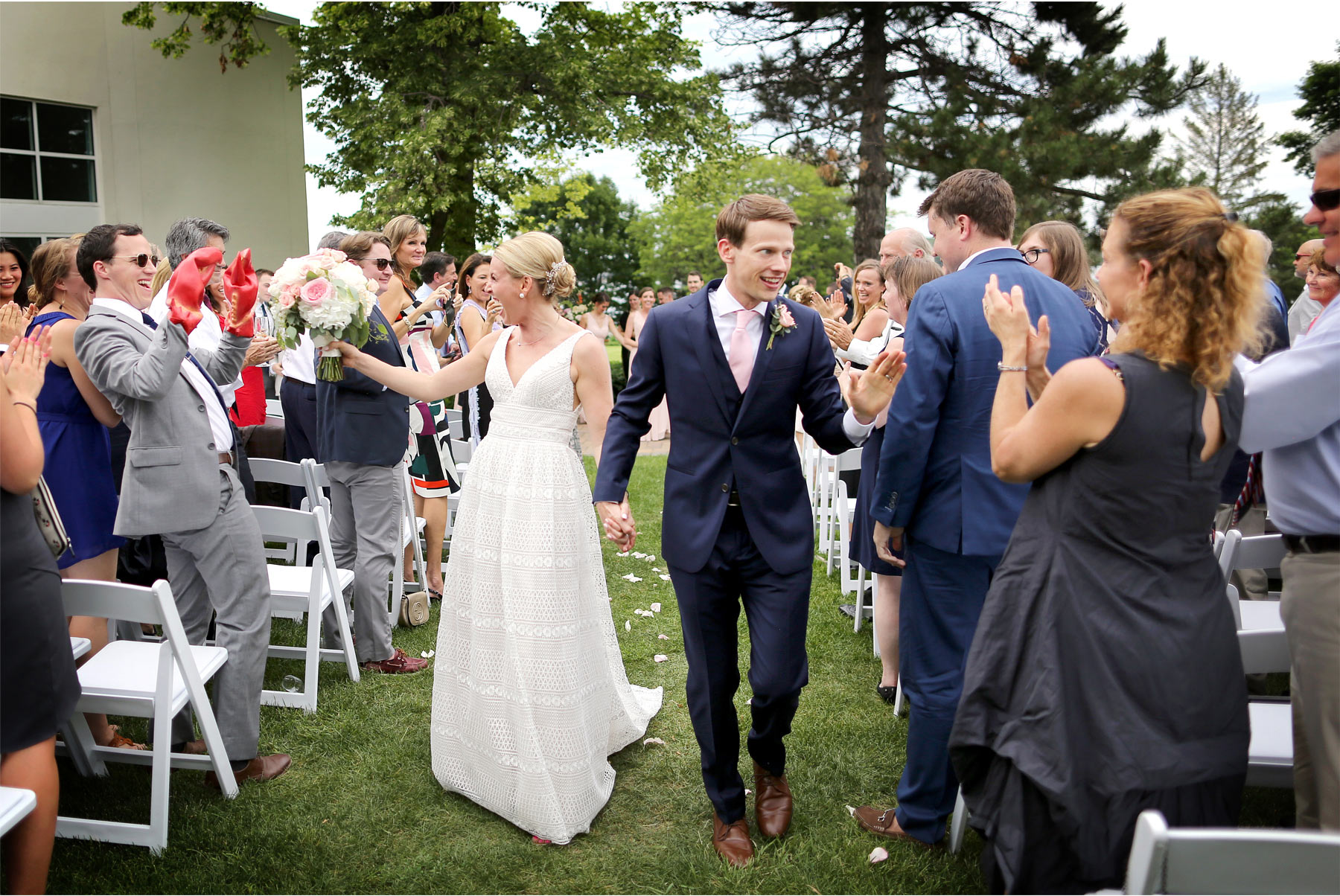 13-Minneapolis-Minnesota-Wedding-Photography-by-Vick-Photography-Lafayette-Club-Outdoor-Ceremony-Maggie-and-Nicholas.jpg