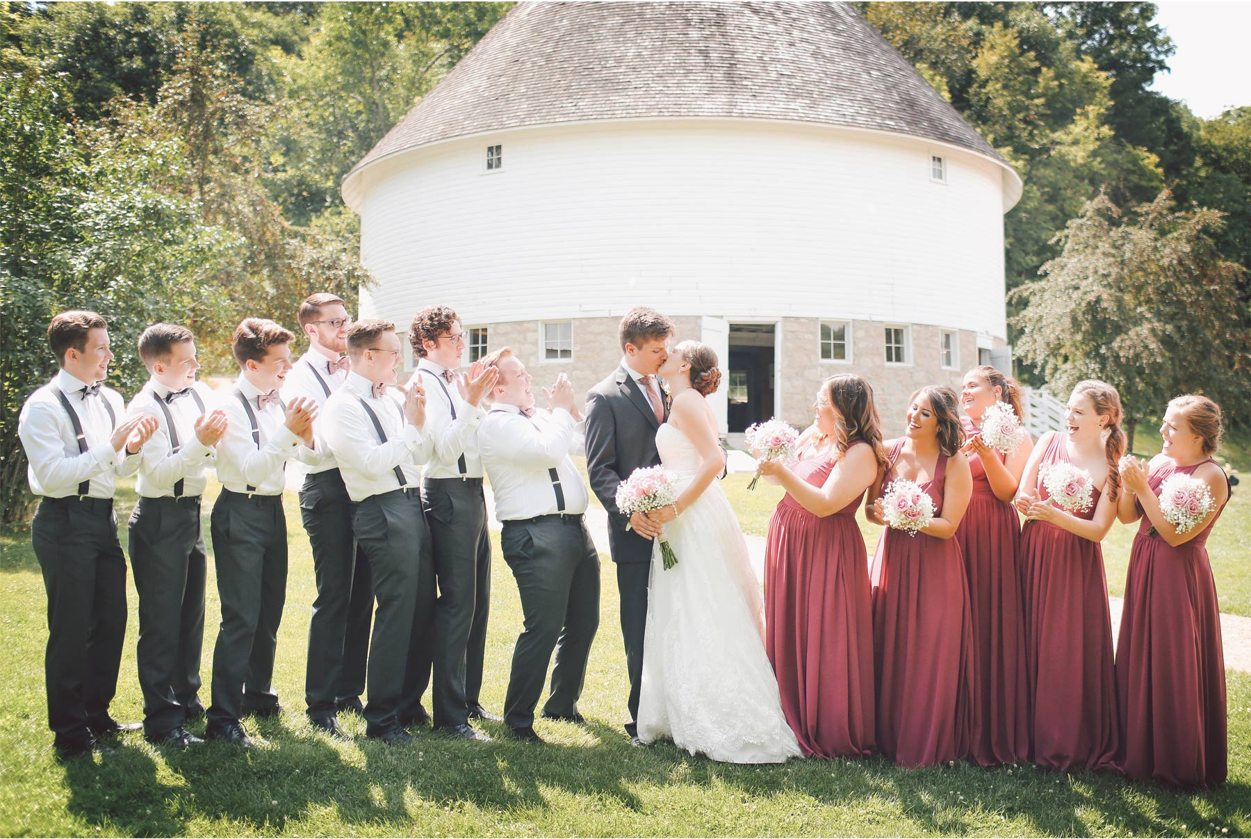 06-Red-Wing-Minnesota-Wedding-Photography-by-Vick-Photography-Round-Barn-Farm-Wedding-Party-Group-Nikki-and-Will.jpg