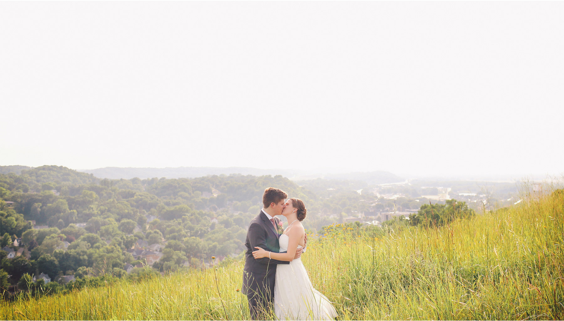 15-Red-Wing-Minnesota-Wedding-Photography-by-Vick-Photography-Round-Barn-Farm-Great-View-Bluffs-Field-Nikki-and-Will.jpg