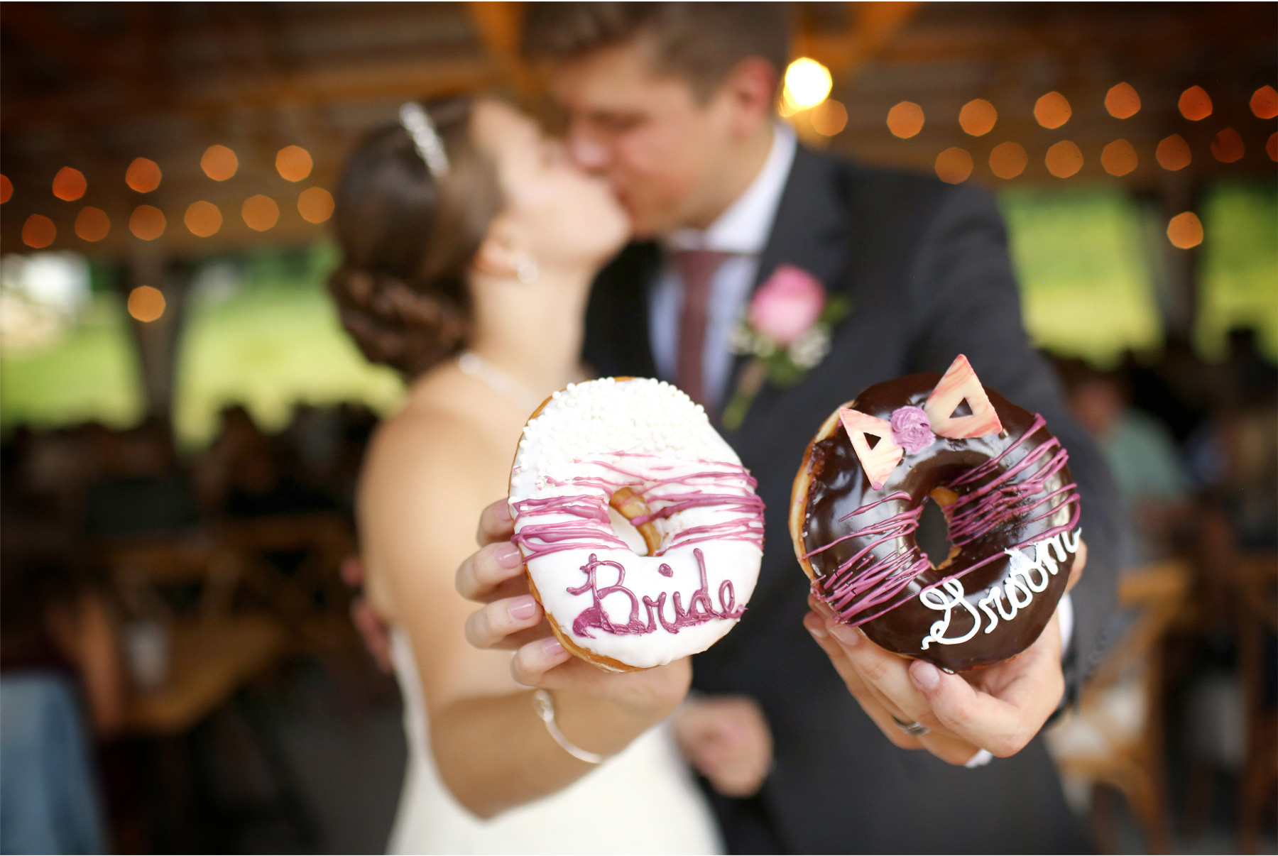 16-Red-Wing-Minnesota-Wedding-Photography-by-Vick-Photography-Round-Barn-Farm-Donuts-Reception-Nikki-and-Will.jpg