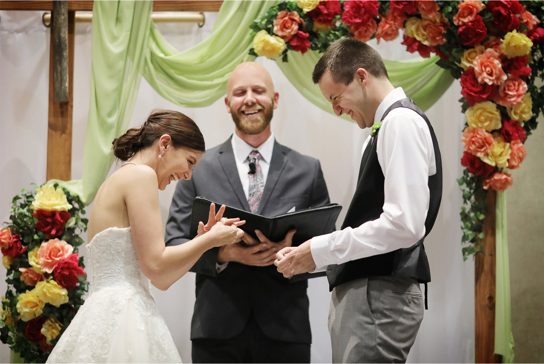 13-St-Paul-Minnesota-Wedding-Photography-by-Vick-Photography-Science-Museum-Ceremony-Stephanie-and-Scott.jpg