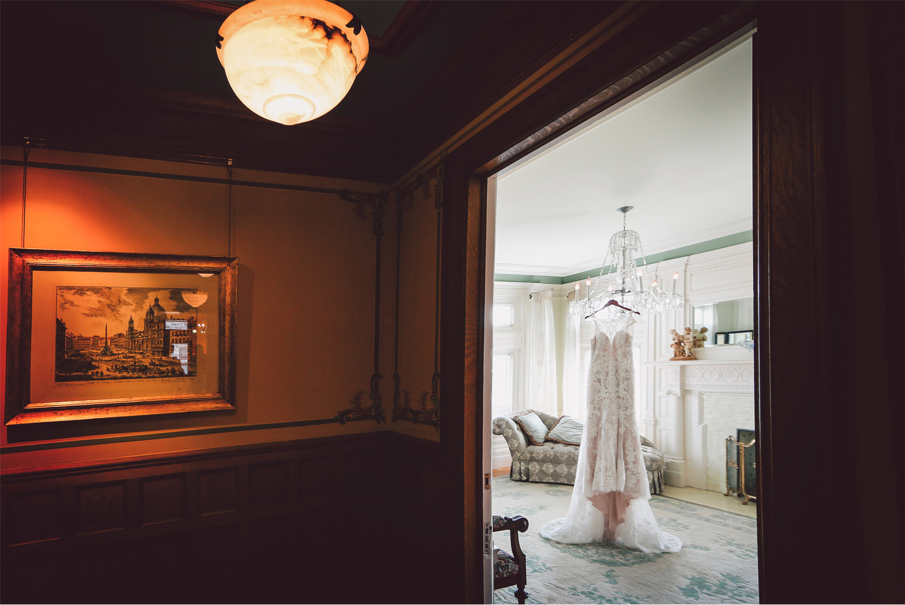 01-Minneapolis-Minnesota-Wedding-Photographer-by-Vick-Photography-Van-Dusen-Mansion-Wedding-Dress-Getting-Ready-Megan-and-Ned.jpg