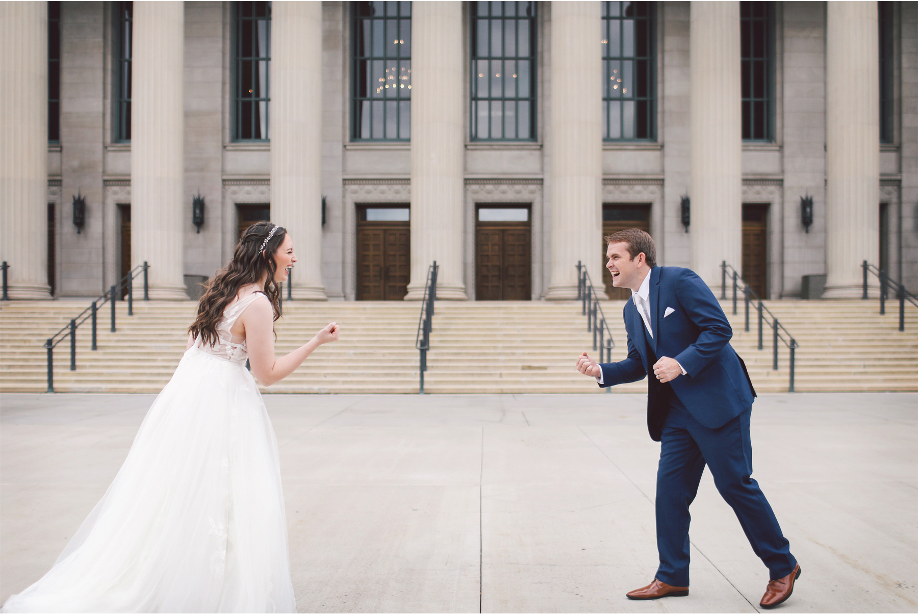 06-Saint-Paul-Minnesota-Wedding-Photography-by-Vick-Photography-Saint-Paul-Athletic-Club-First-Look-Kelsey-and-Jeffery.jpg