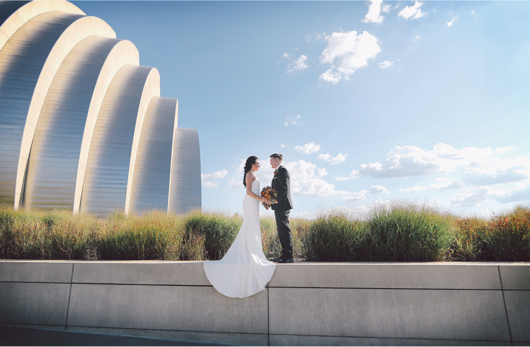 14-Kansas-City-Missouri-Destination-Wedding-Photography-by-Vick-Photography-Downtown-Architecture-Carly-and-Kenny.jpg
