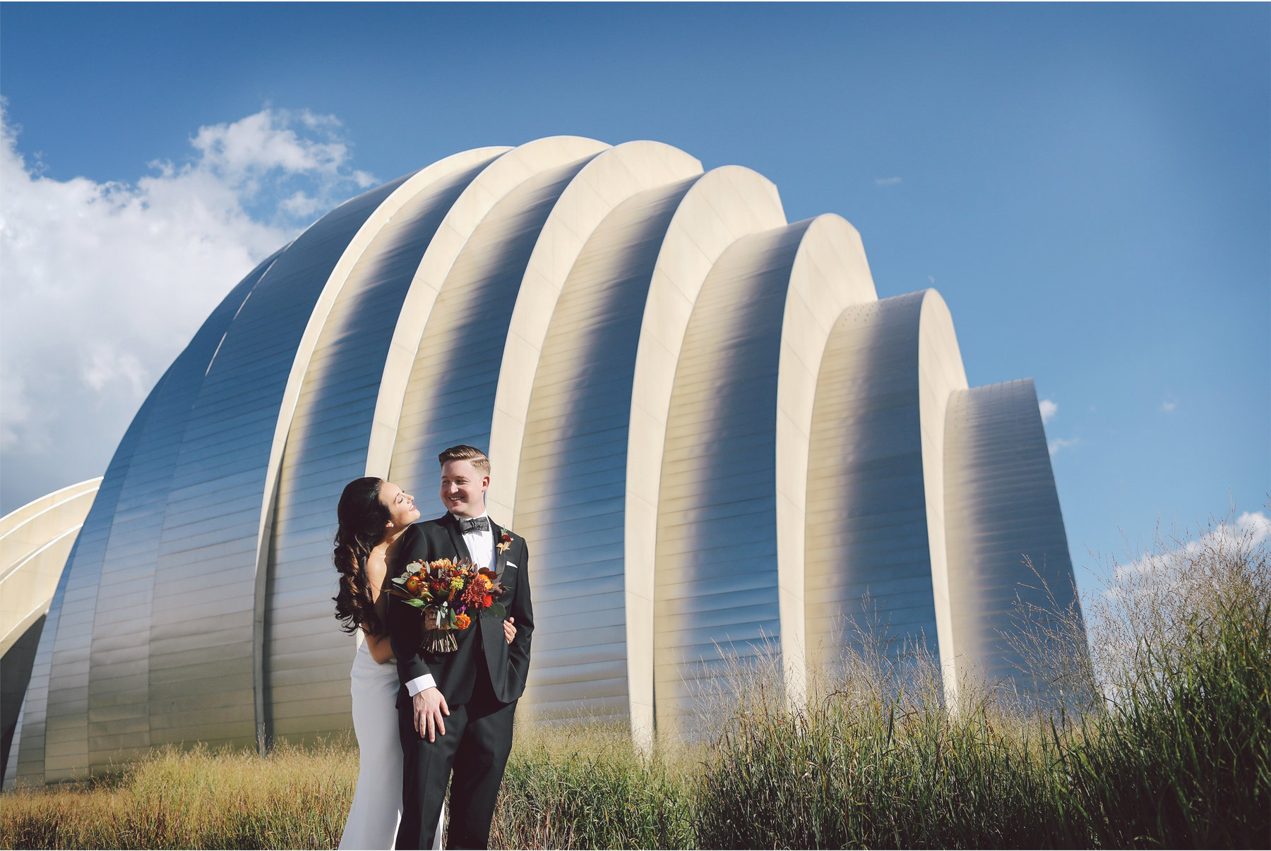 15-Kansas-City-Missouri-Destination-Wedding-Photography-by-Vick-Photography-Downtown-Architecture-Carly-and-Kenny.jpg