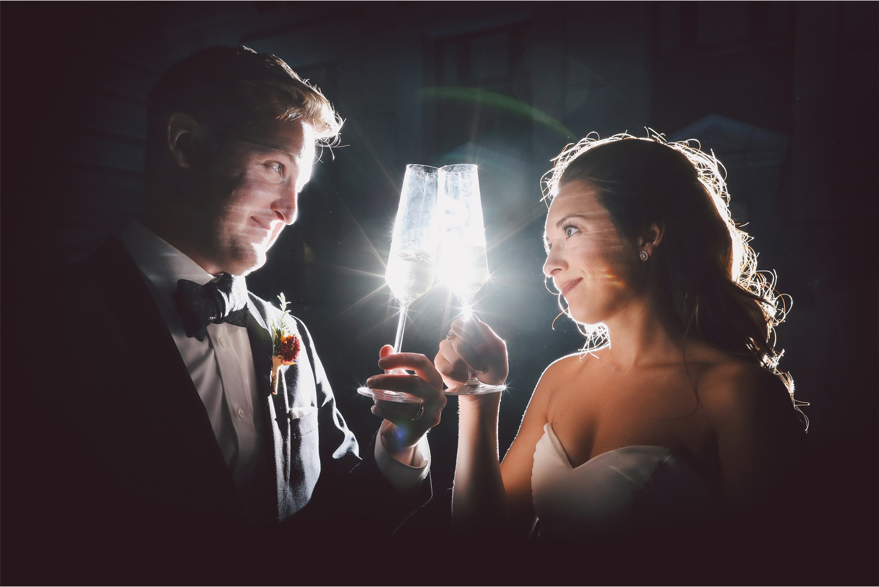 22-Kansas-City-Missouri-Destination-Wedding-Photography-by-Vick-Photography-Downtown-Night-Photography-Champagne-Carly-and-Kenny.jpg