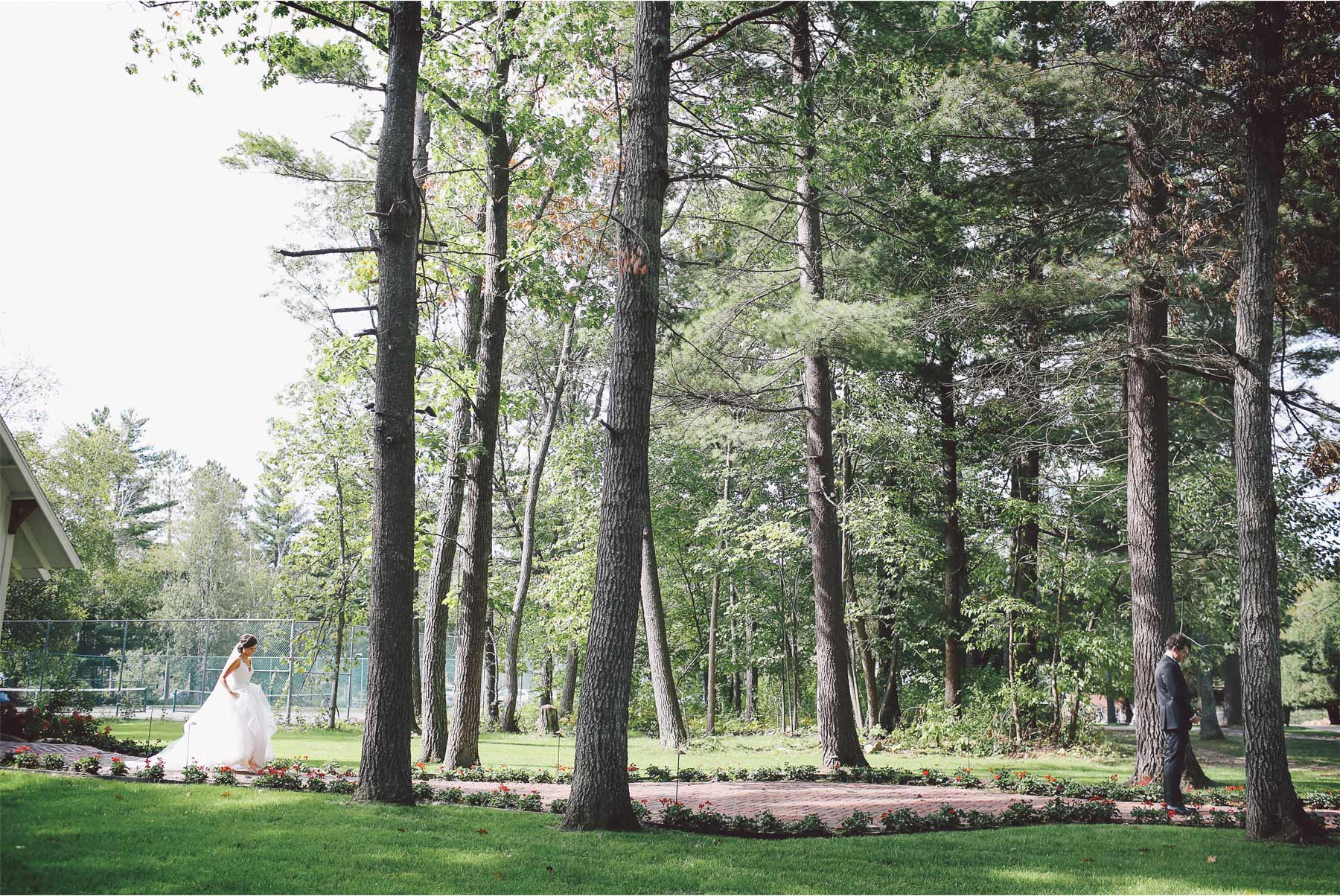 05-Brainerd-Minnesota-Wedding-Photography-by-Vick-Photography-Grand-View-Lodge-Woods-First-Look-Bethany-and-Anthony.jpg