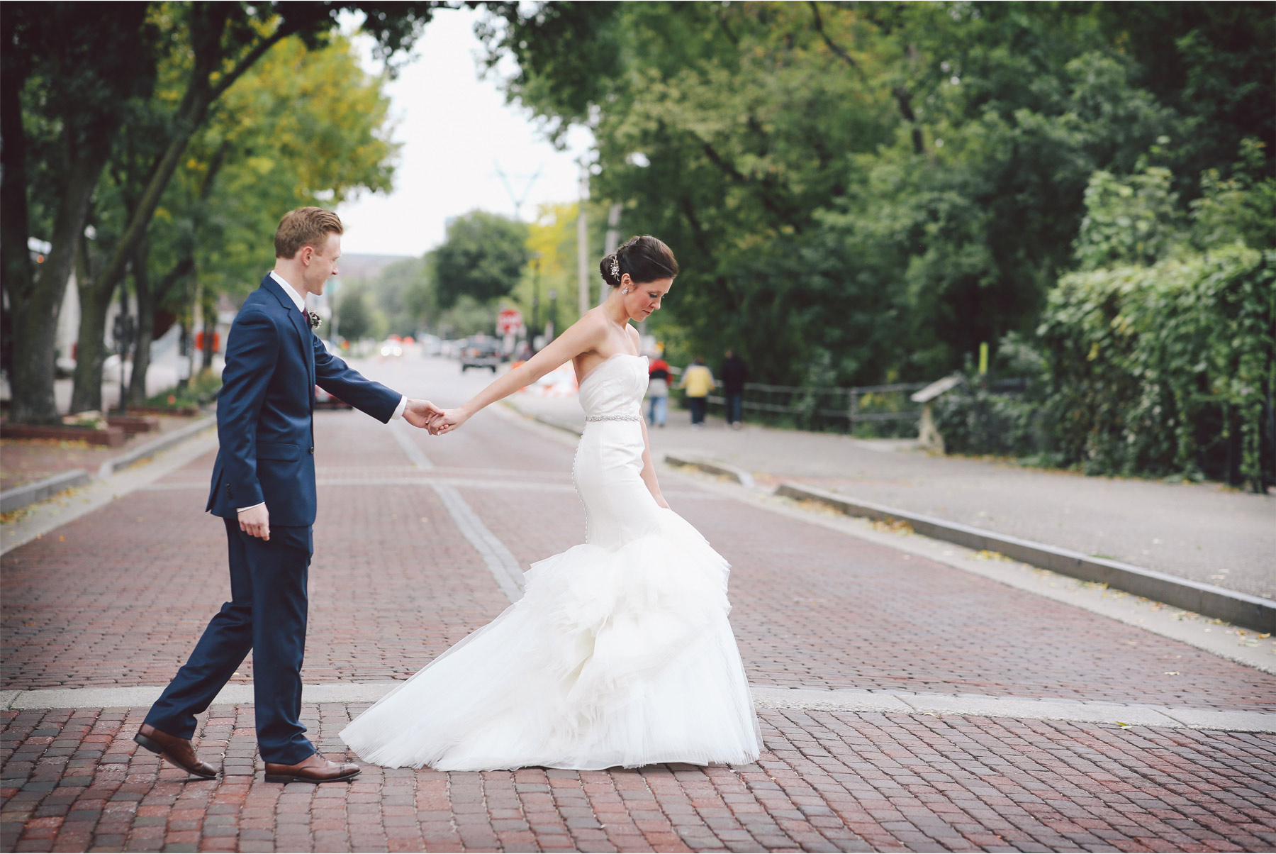 04-Minneapolis-Minnesota-Wedding-Photography-by-Vick-Photography-First-Look-Saint-Anthony-Main-Callie-and-Reed.jpg