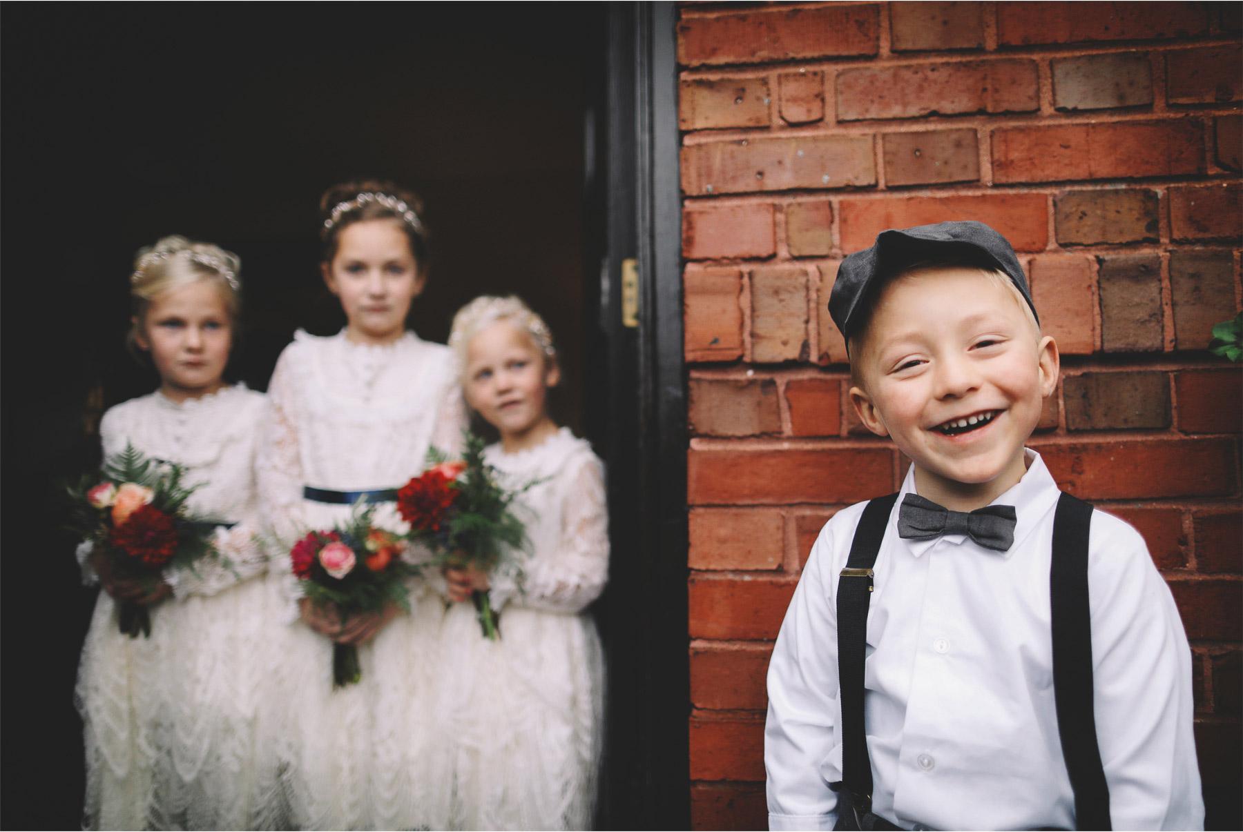09-Duluth-Minnesota-Wedding-Photography-by-Vick-Photography-Glensheen-Mansion-FLower-Girls-Kelli-and-Marc.jpg
