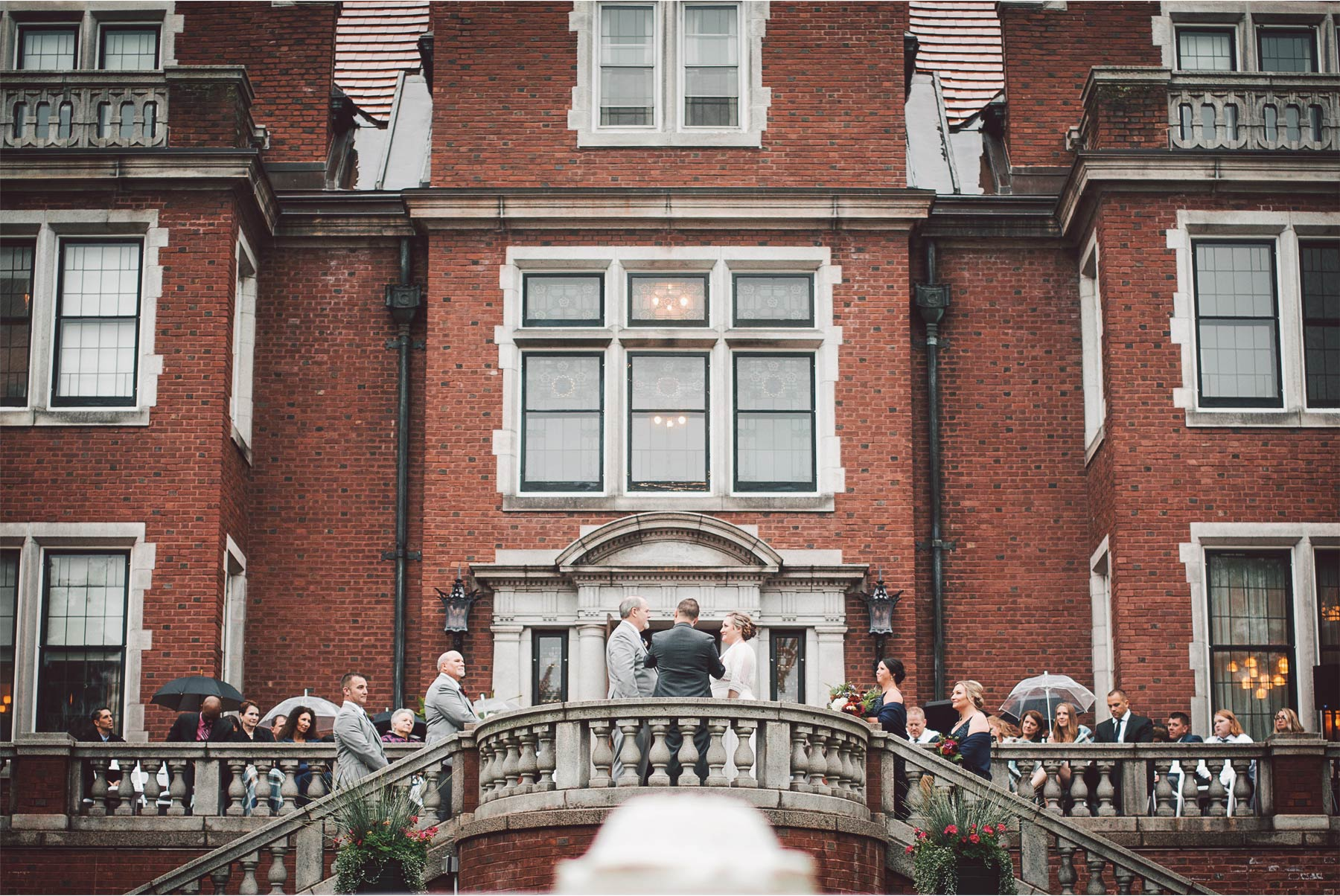 13-Duluth-Minnesota-Wedding-Photography-by-Vick-Photography-Glensheen-Mansion-Outdoor-Ceremony-Rain-Fall-Autumn-Kelli-and-Marc.jpg