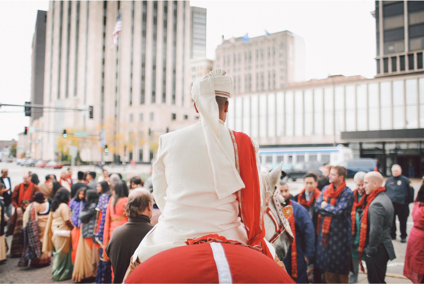 02-St-Paul-Minnesota-Wedding-Photography-by-Vick-Photography-Intercontinental-St-Paul-Riverfront-Traditional-Indian-Wedding-Baraat-Horse-Groom-Leena-and-Michael.jpg