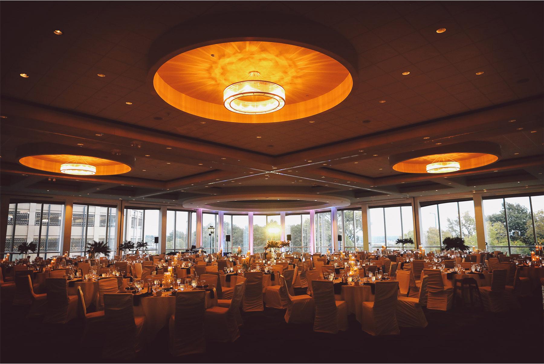 19-St-Paul-Minnesota-Wedding-Photography-by-Vick-Photography-Intercontinental-St-Paul-Riverfront-Reception-Leena-and-Michael.jpg