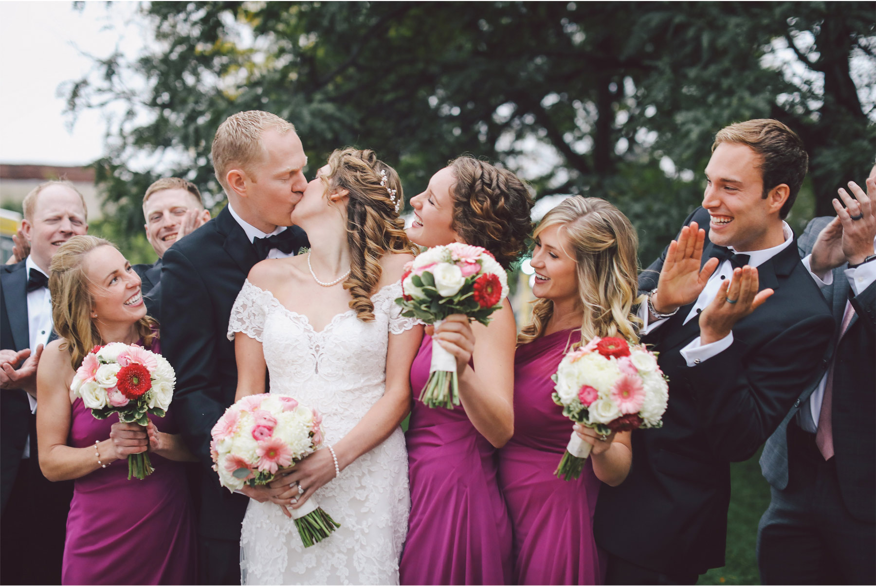 09-Minneapolis-Minnesota-Wedding-Photography-by-Vick-Photography-Semple-Mansion-Groups-Wedding-Party-Danielle-and-Chance.jpg