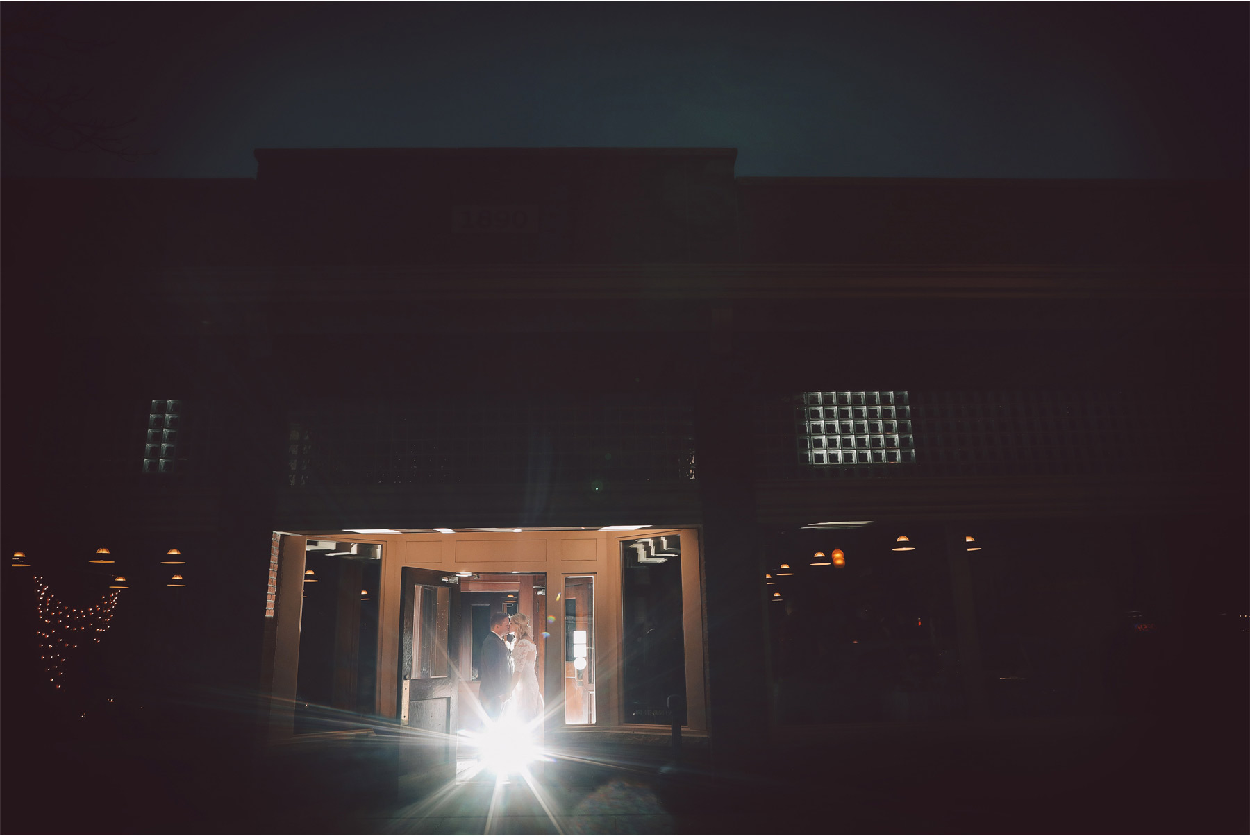 18-Shakopee-Minnesota-Wedding-Photography-by-Vick-Photography-Turtles-1890-Social-Centre-Amber-and-Justin.jpg