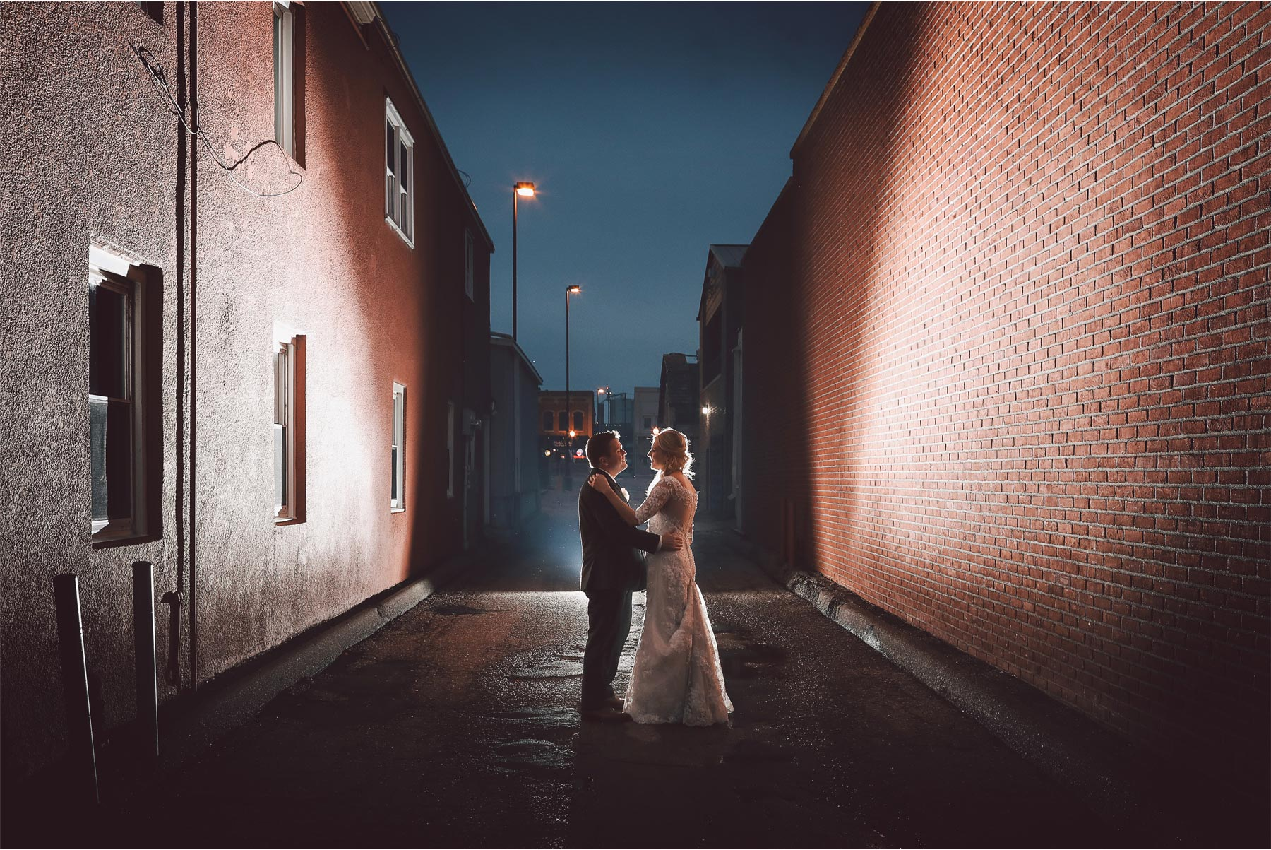 19-Shakopee-Minnesota-Wedding-Photography-by-Vick-Photography-Turtles-1890-Social-Centre-Night-Photography-Amber-and-Justin.jpg