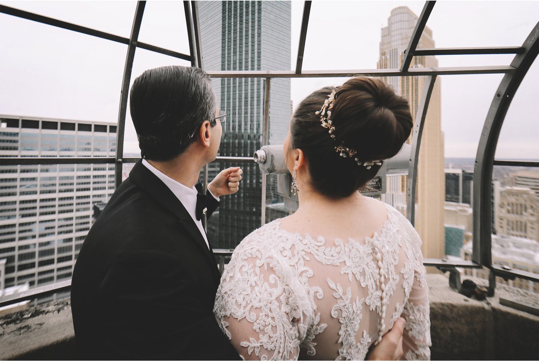 05-Minneapolis-Minnesota-Wedding-Photography-by-Vick-Photography-Foshay-Skyline-Anja-and-Waseem.jpg