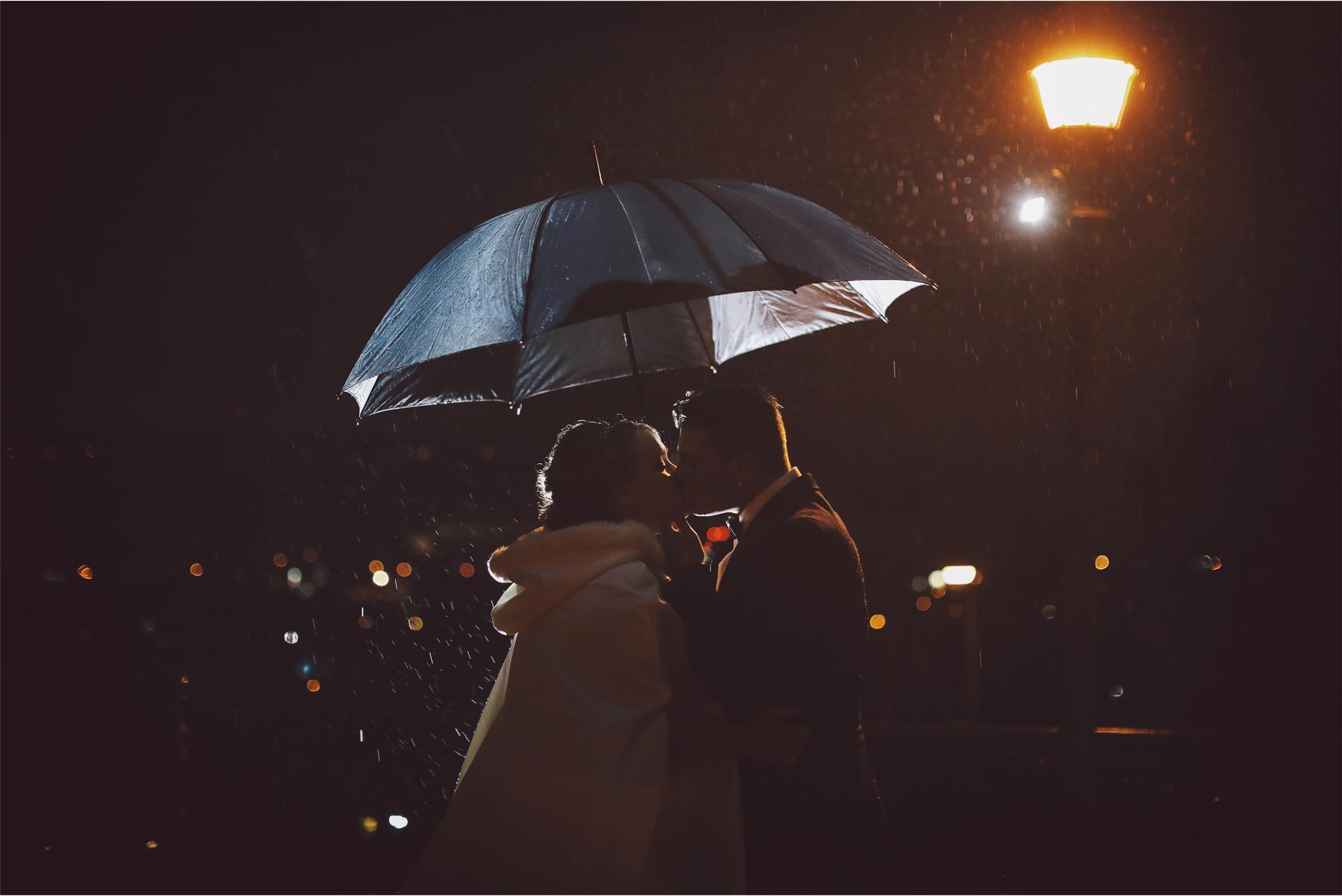 14-Saint-Paul-Minnesota-Wedding-Photography-by-Vick-Photography-The-University-Club-Night-Photography-Rain-Umbrella-Mari-and-Giuseppe.jpg